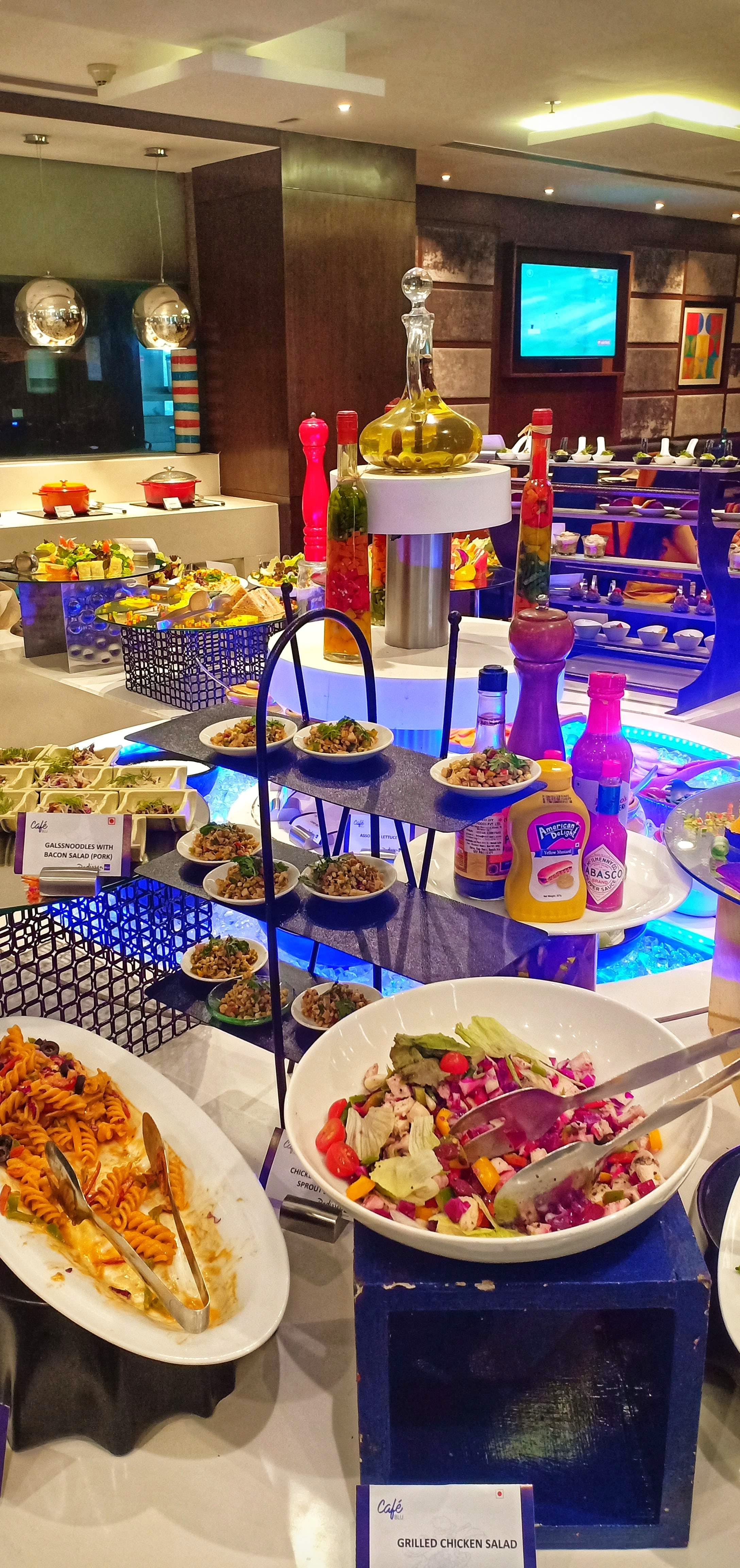 Treat Yourself To Royal & Beautiful Sunday Brunch At Cafe Blu!