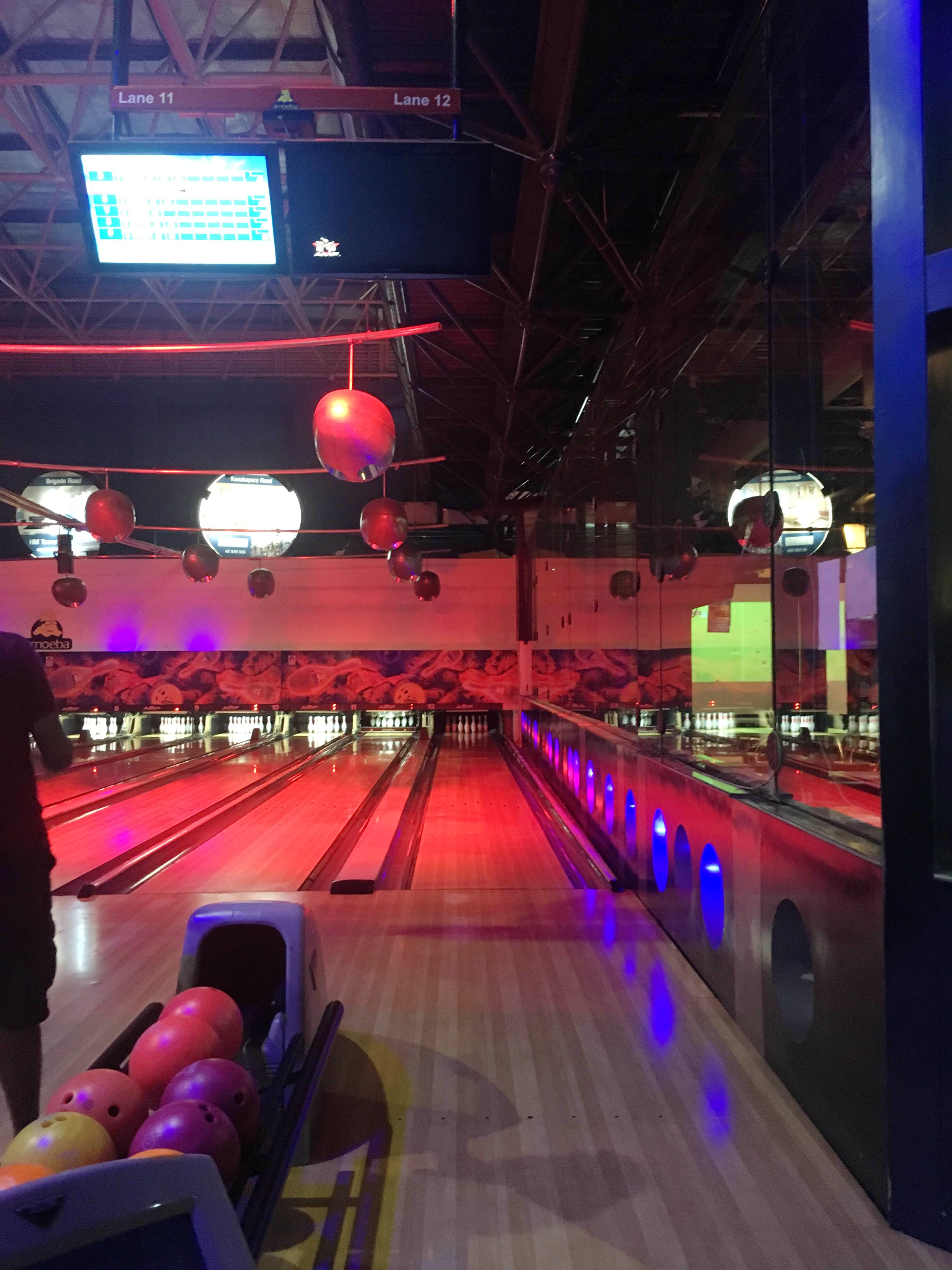 Bowling Nights On Weekends? This Sports Bar Is All You Need!