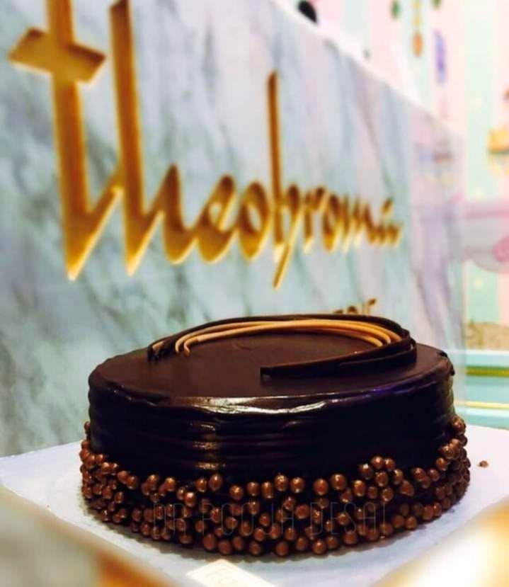 Sachertorte,Food,Chocolate cake,Cake,Dessert,Ganache,Baked goods,Cuisine,Torte,Baumkuchen