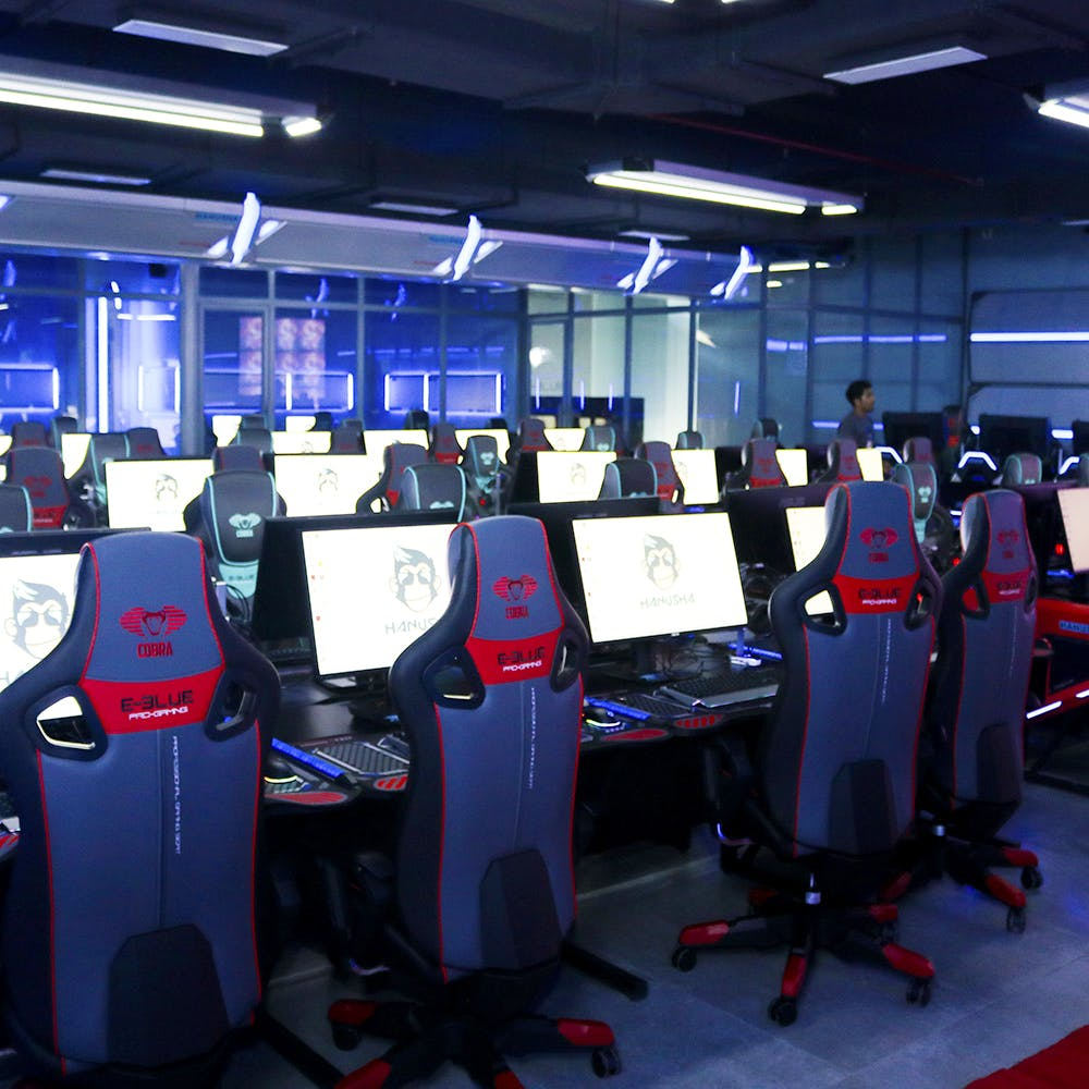 Games,Technology,Room,Electronic device,Arcade game,Recreation,Leisure,Building,Interior design,Machine