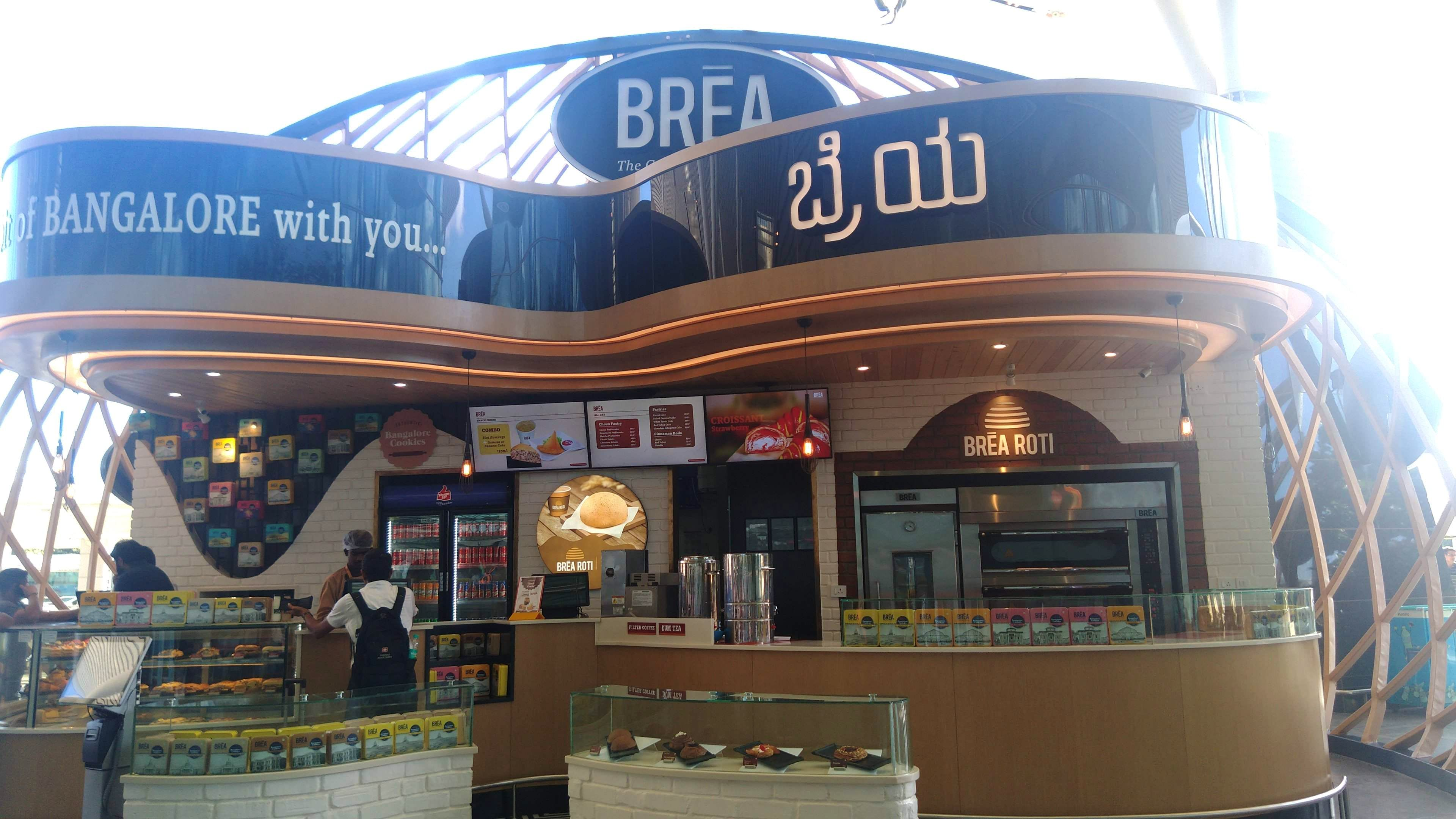 Catching A Flight? Visit This Outlet For Freshly Baked Croissant, Pastries & More!