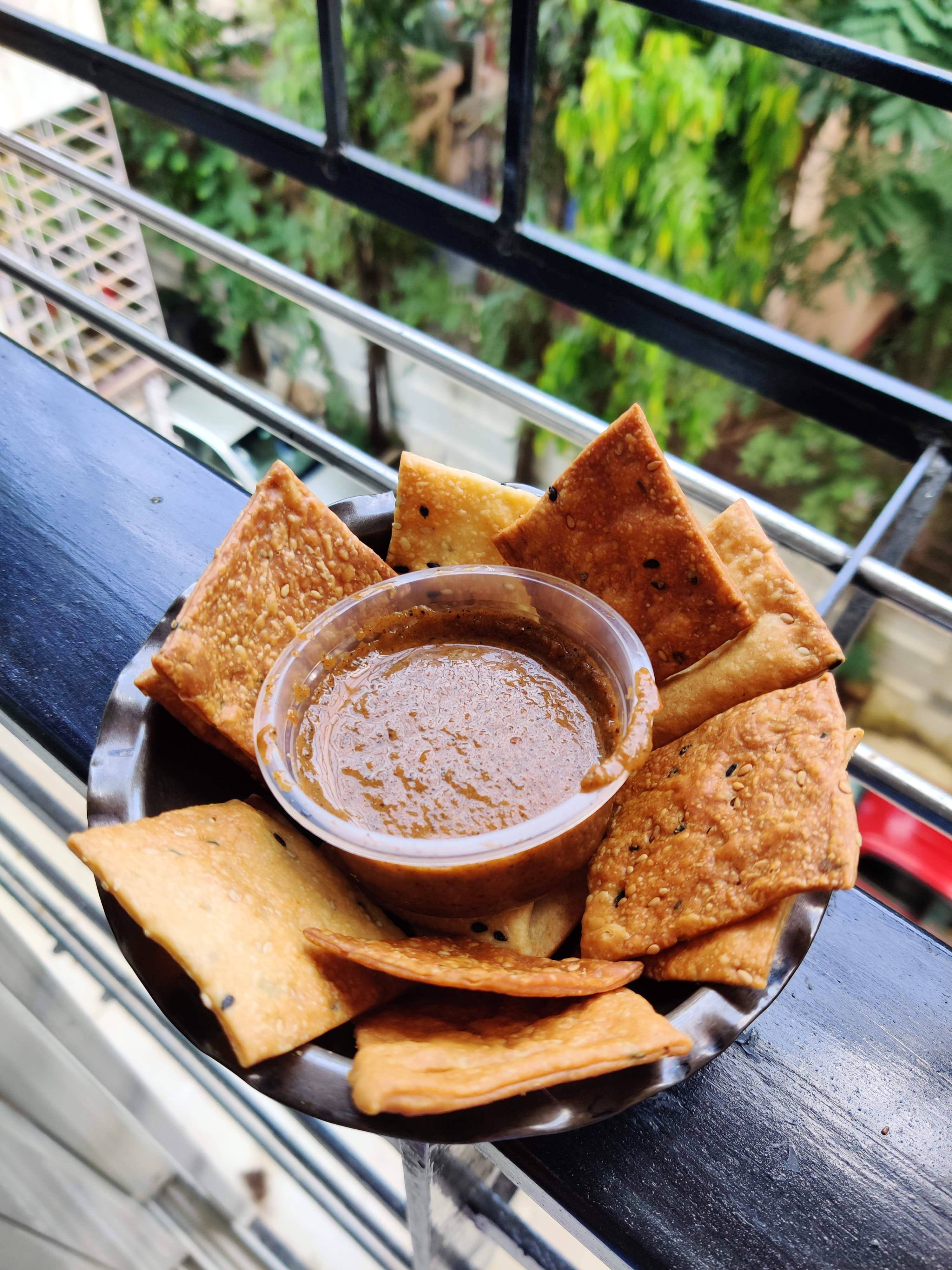 Order Some Classic Dips, Cold Brews & Chocolate Mousse At Your Doorstep!