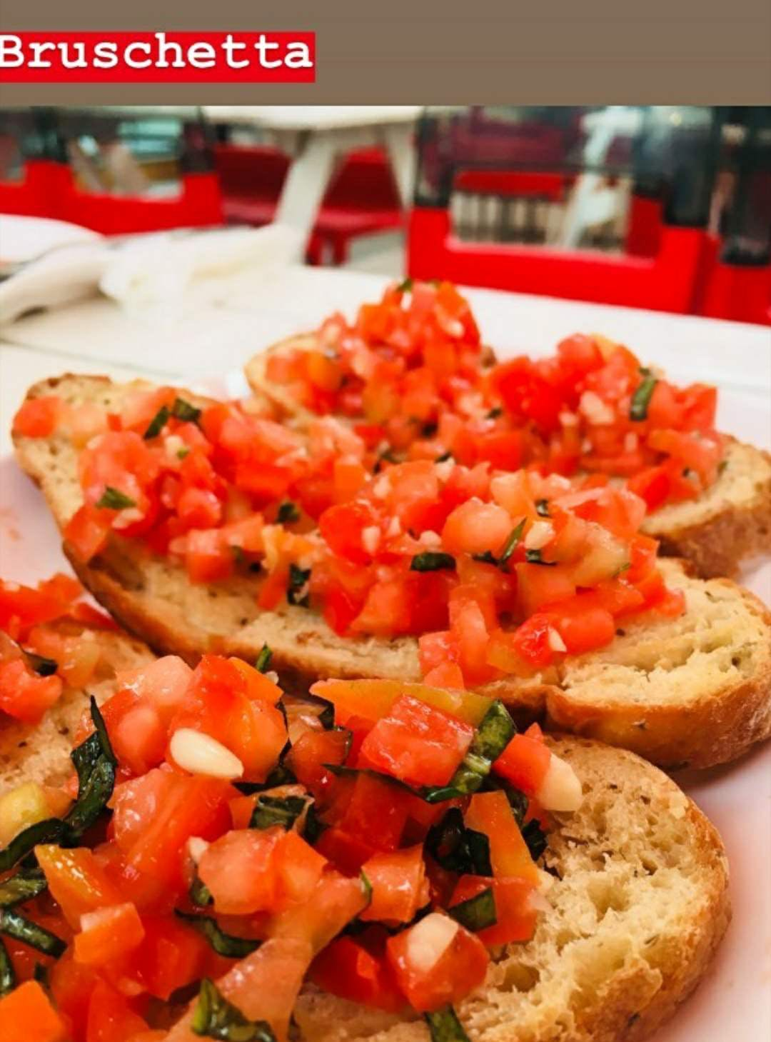 A Trip To Italy? Drop By This Cafe For Roberto's Amazing Italian Delicacies