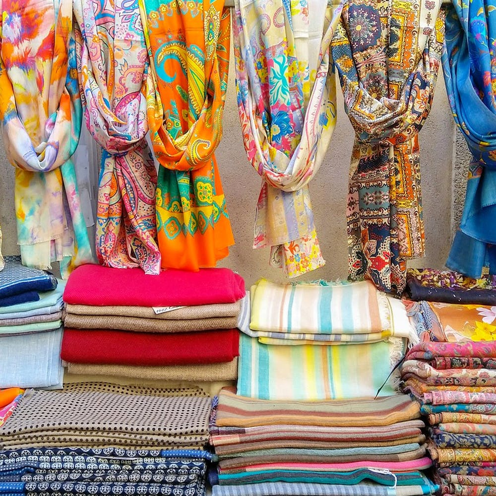 Bazaar,Public space,Market,Human settlement,Selling,Textile,City,Marketplace,Building