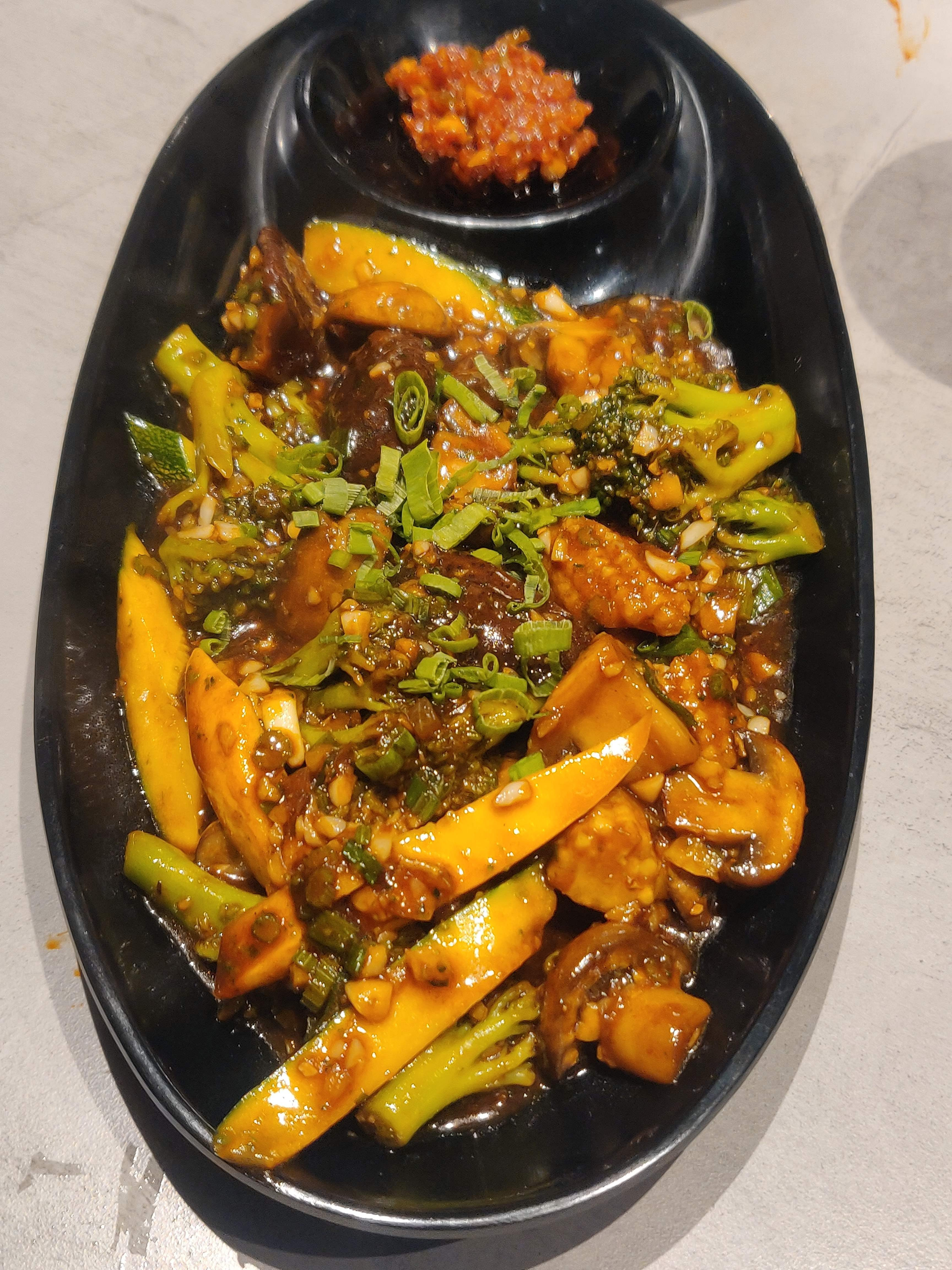 New Place Alert: This Restaurant In Dahisar Is Perfect For All Family Get-Togethers!