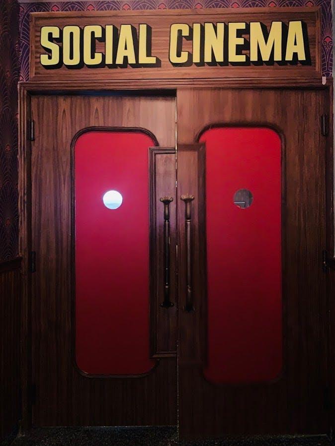 Red,Door