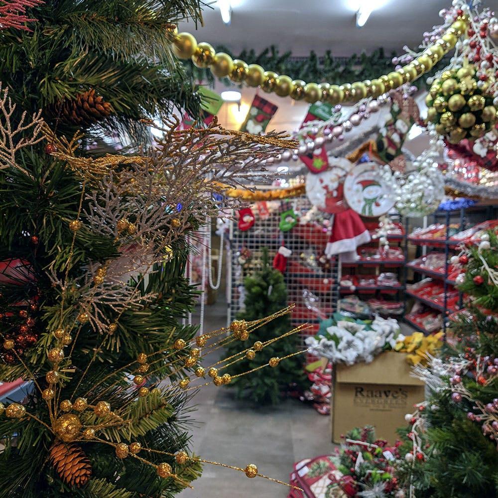 Christmas tree,Christmas ornament,Christmas decoration,Tree,Christmas,Fir,Spruce,Plant,Tradition,Interior design