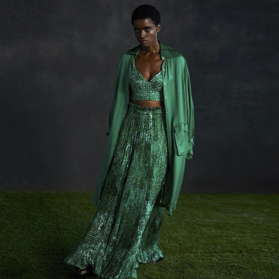 Clothing,Dress,Green,Formal wear,Gown,Fashion,Sari,Fashion model,Neck,Outerwear