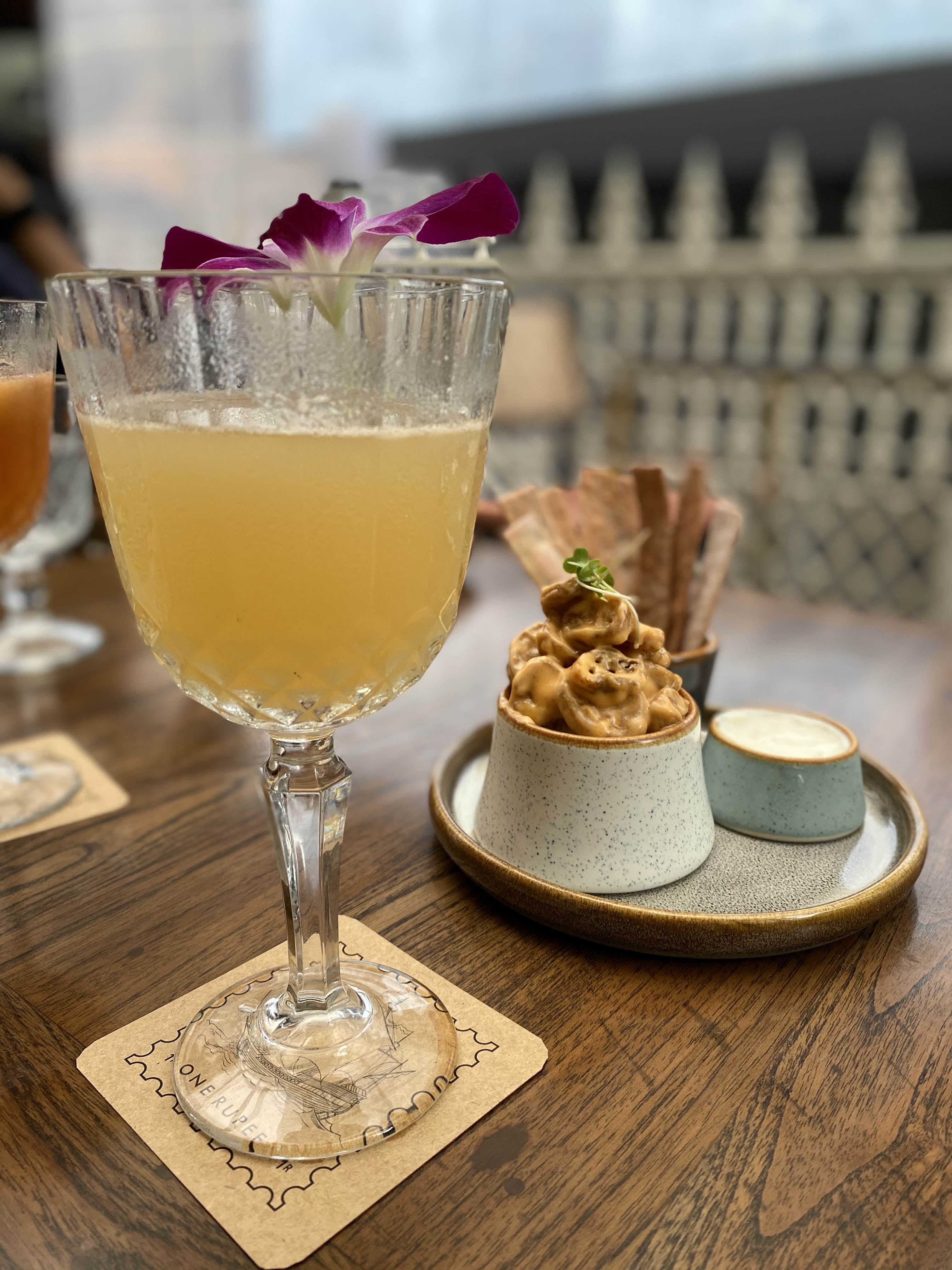 Food,Drink,Classic cocktail,Champagne cocktail,Ingredient,Alcoholic beverage,Cocktail garnish,Dish,Non-alcoholic beverage,Pisco sour