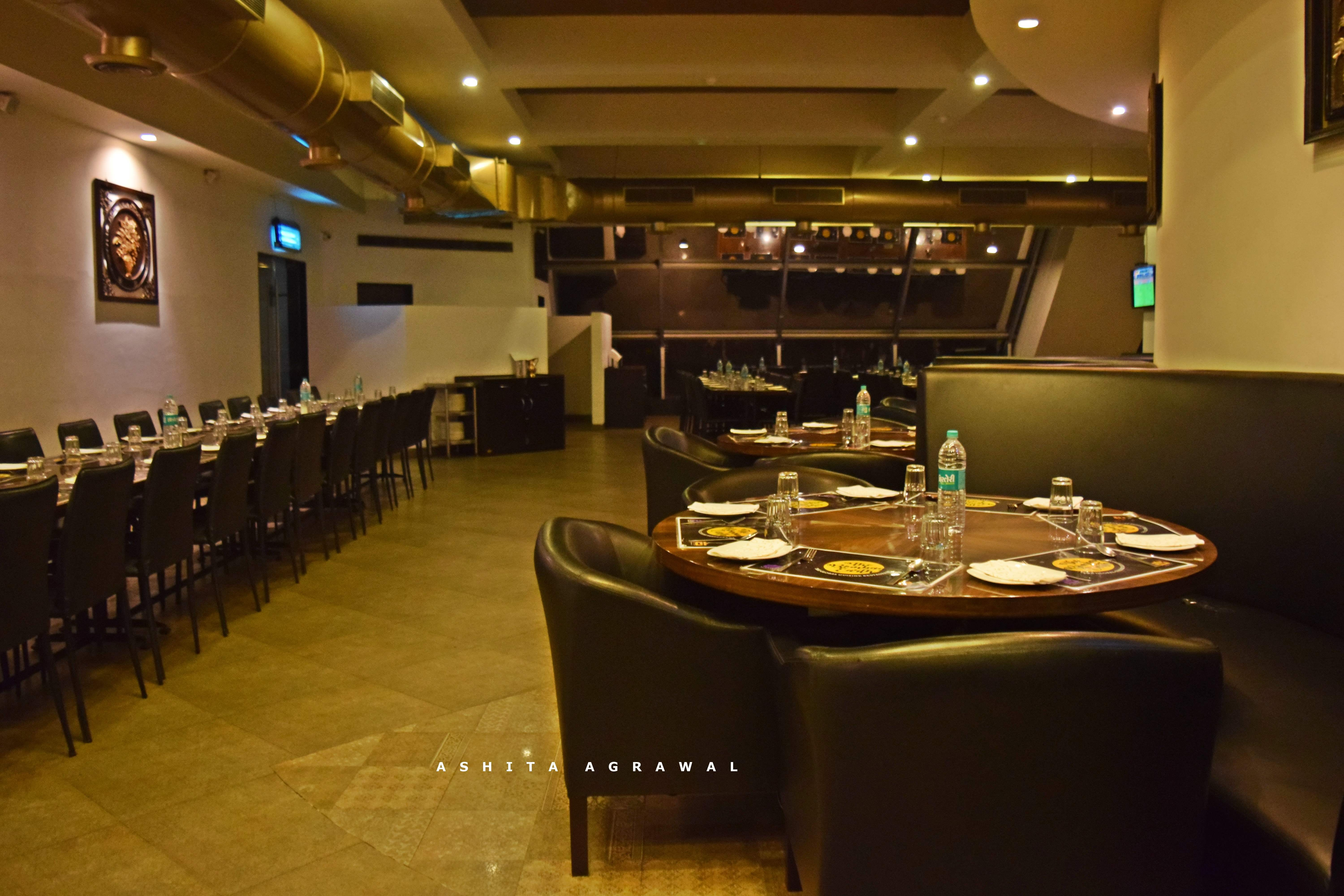 Restaurant,Room,Building,Meal,Interior design,Function hall,Table,Architecture,Banquet,Buffet