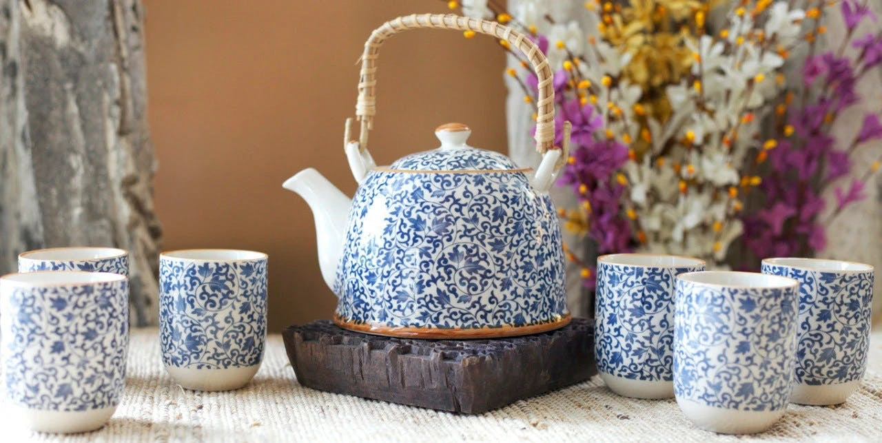 Teapot,Porcelain,Ceramic,Tableware,earthenware,Kettle,Pottery,Serveware,Jug,Flowerpot