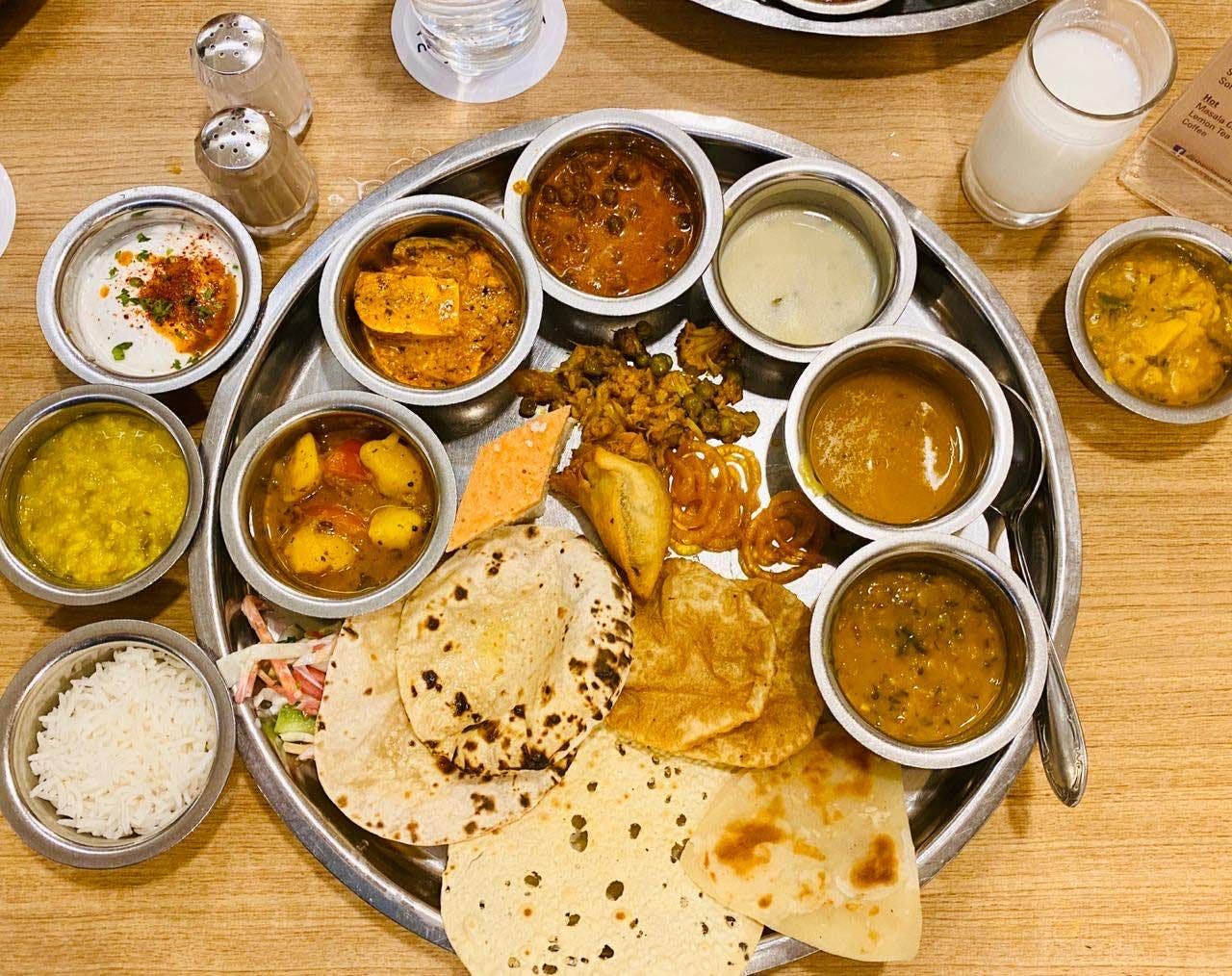 Check Out This Place In Juhu For Their Special Gujrati Thali!