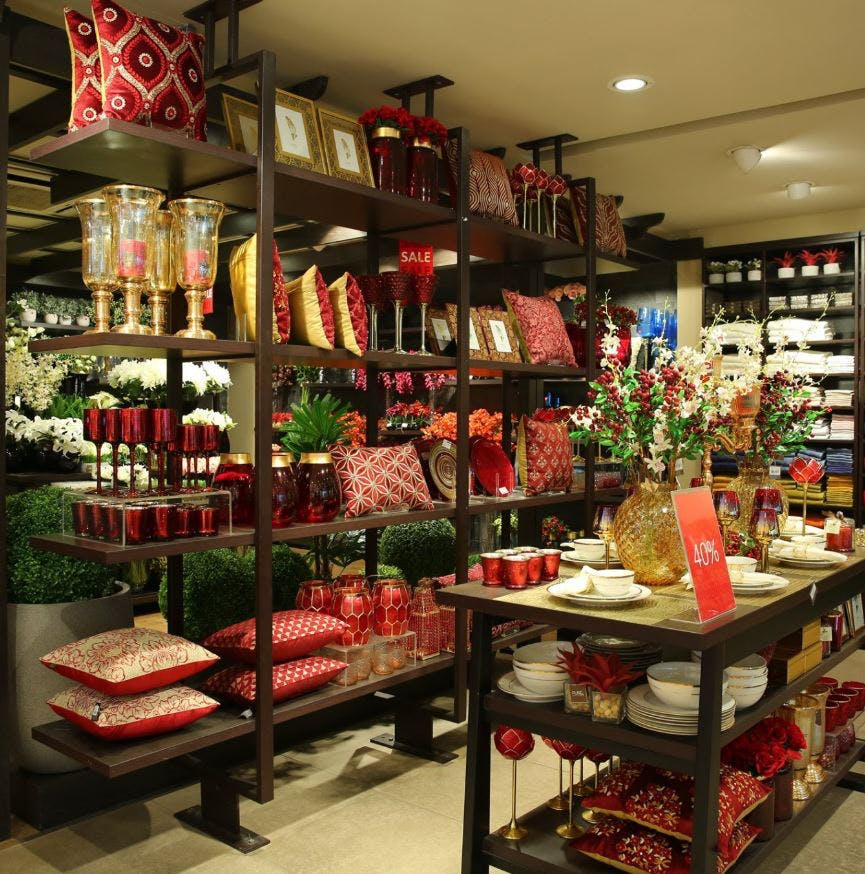 Retail,Building,Grocery store,Floristry,Interior design,Convenience store,Room,Outlet store,Supermarket