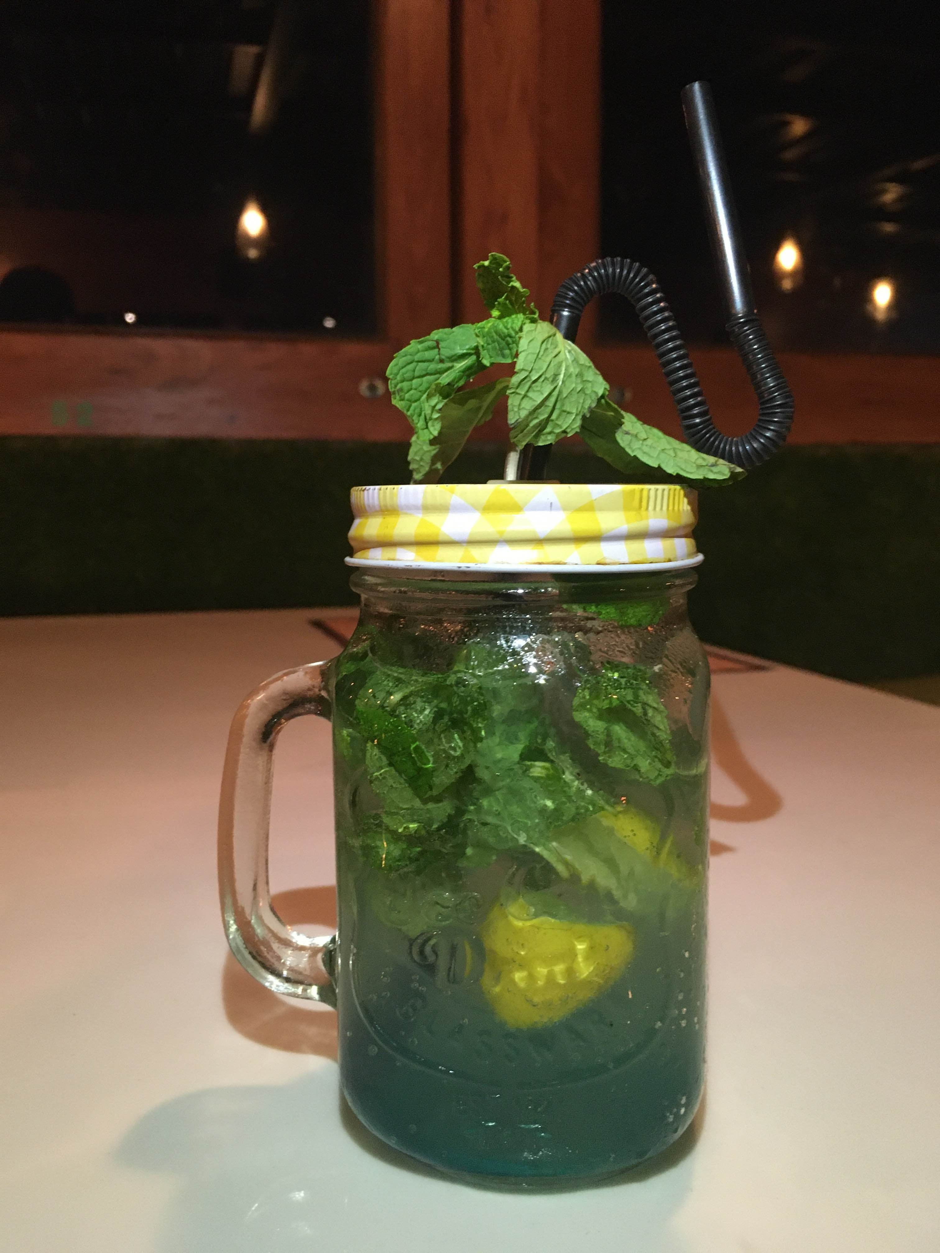 Mesmerising Ambience, Great Drinks & Yum Food At The Mint Leaf!