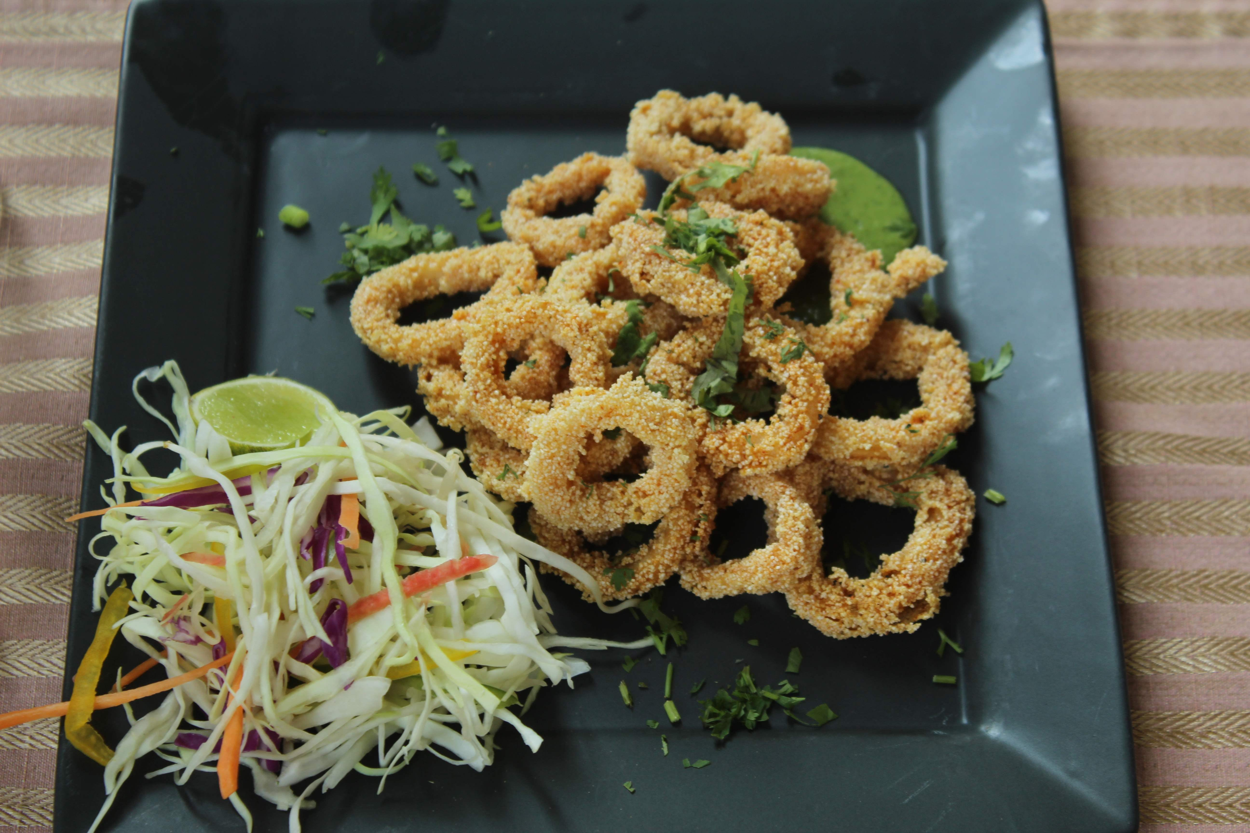 Dish,Food,Cuisine,Fried food,Deep frying,Onion ring,Ingredient,Side dish,Produce,Frying