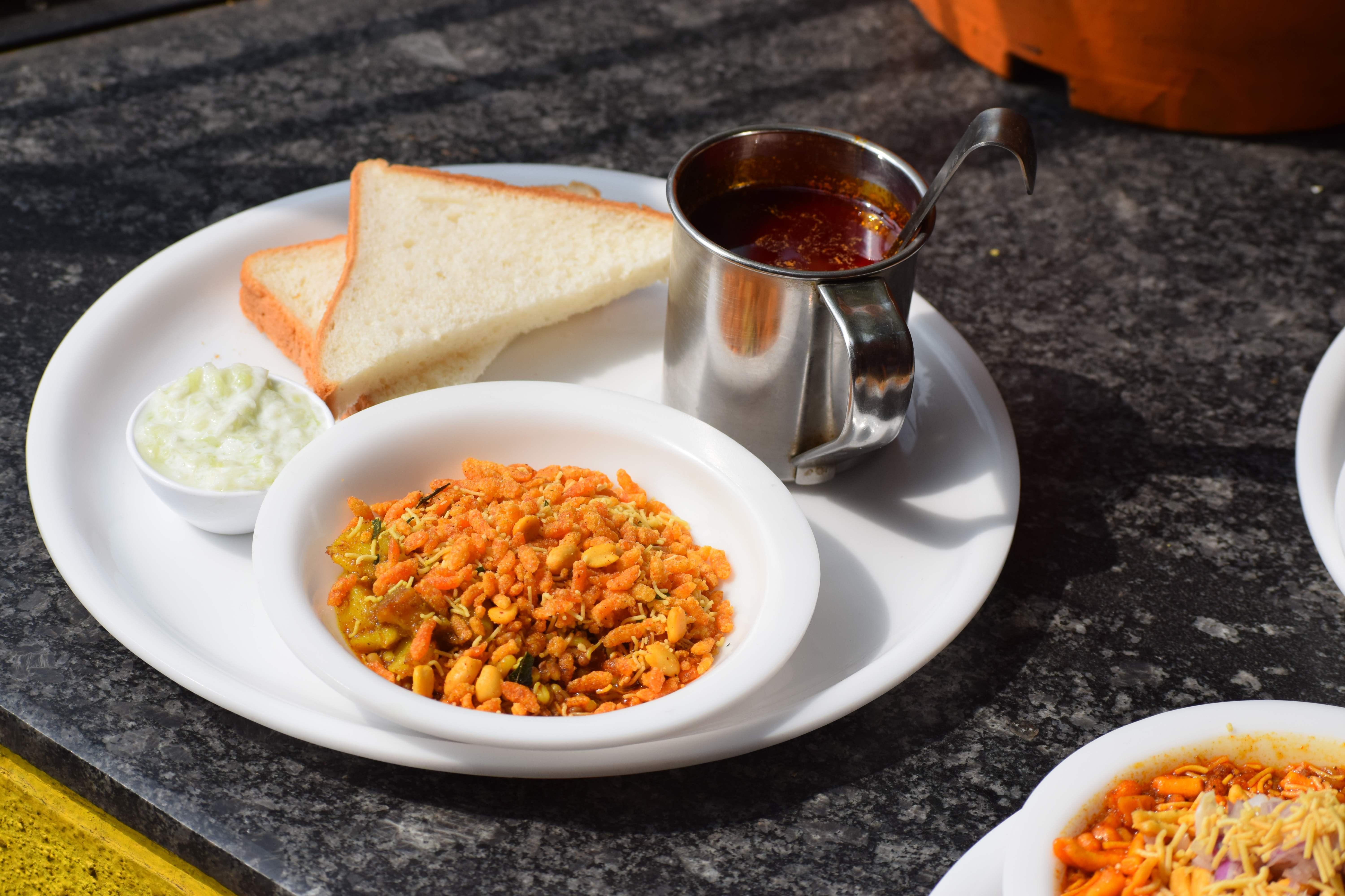 Masti Misal: Relish Scrumptious Food And Amazing Ambience