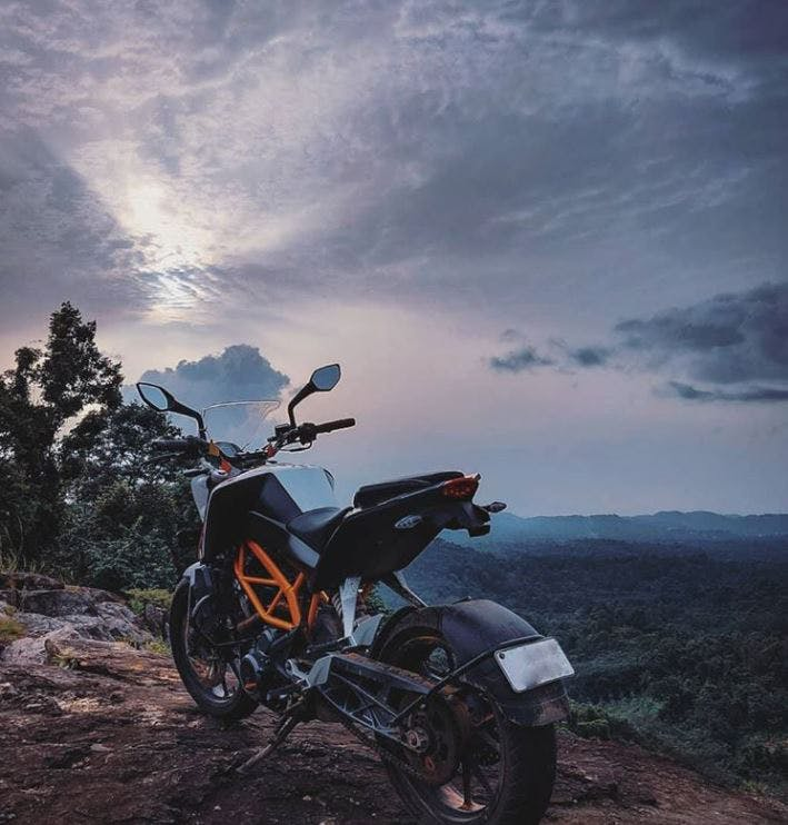 Motorcycle,Sky,Vehicle,Cloud,Motorcycling,Adventure,Adventure game,Mountain,Supermoto,Enduro