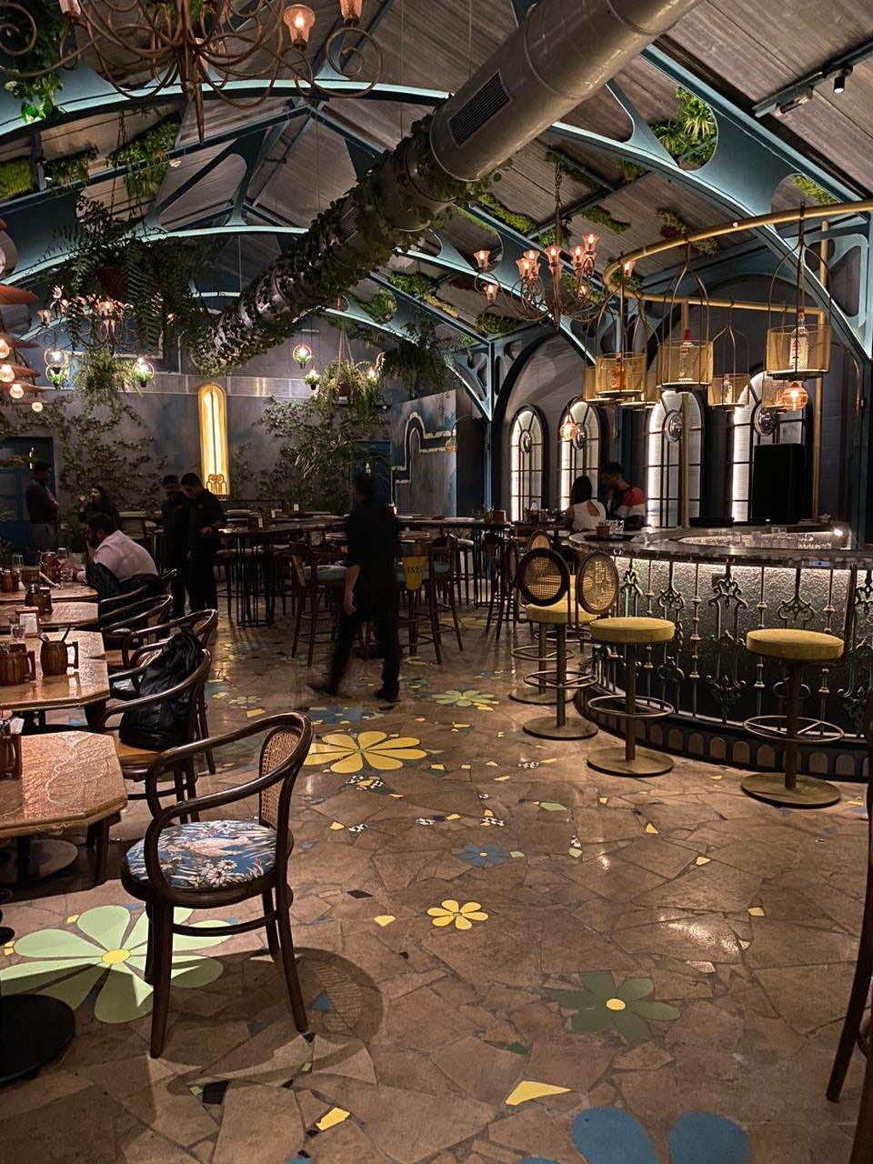 Visit This New Classy, Lit Place In Andheri With Your Friends For Some Amazing Drinks And Food