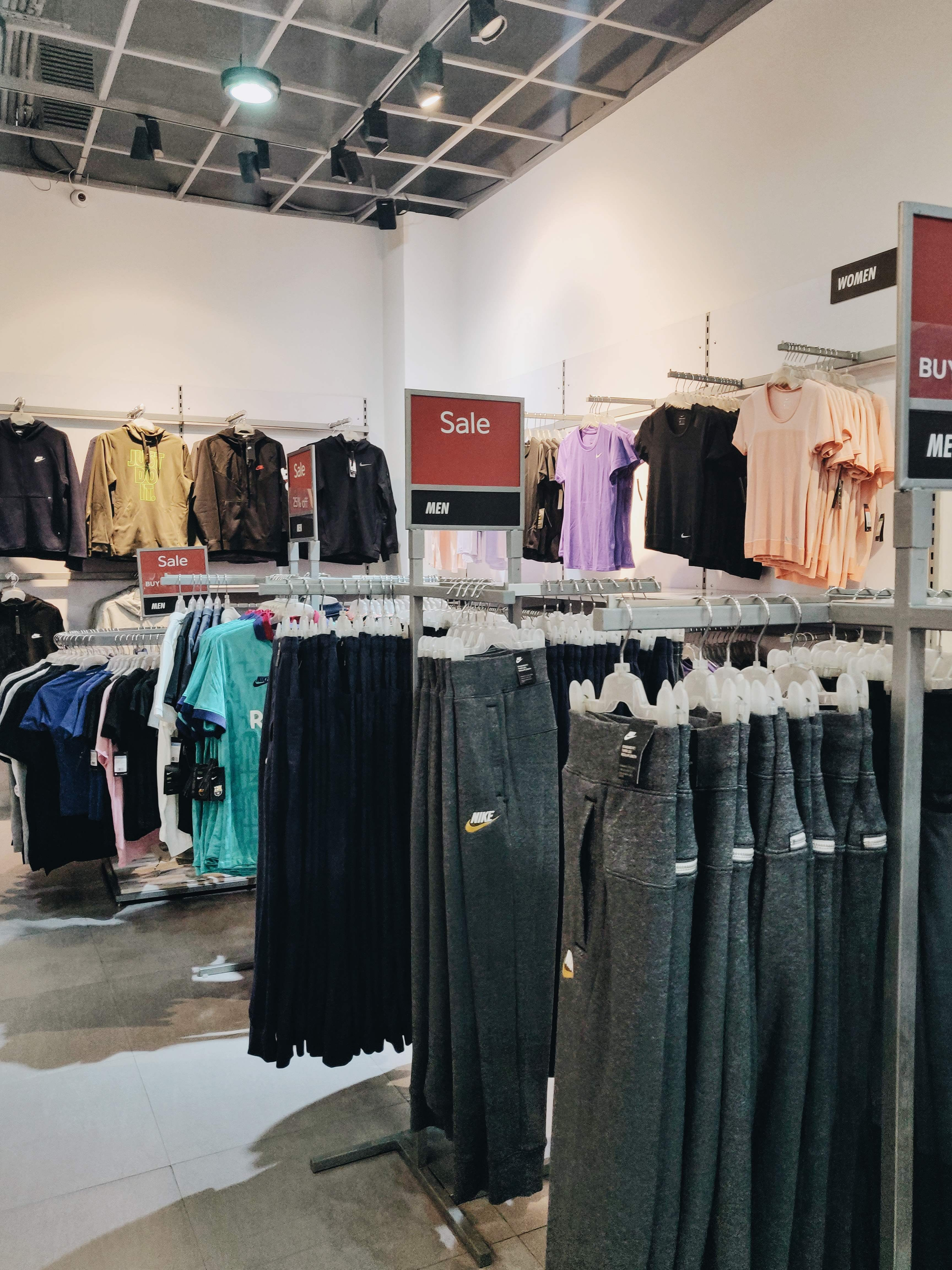 nike factory outlet ameerpet