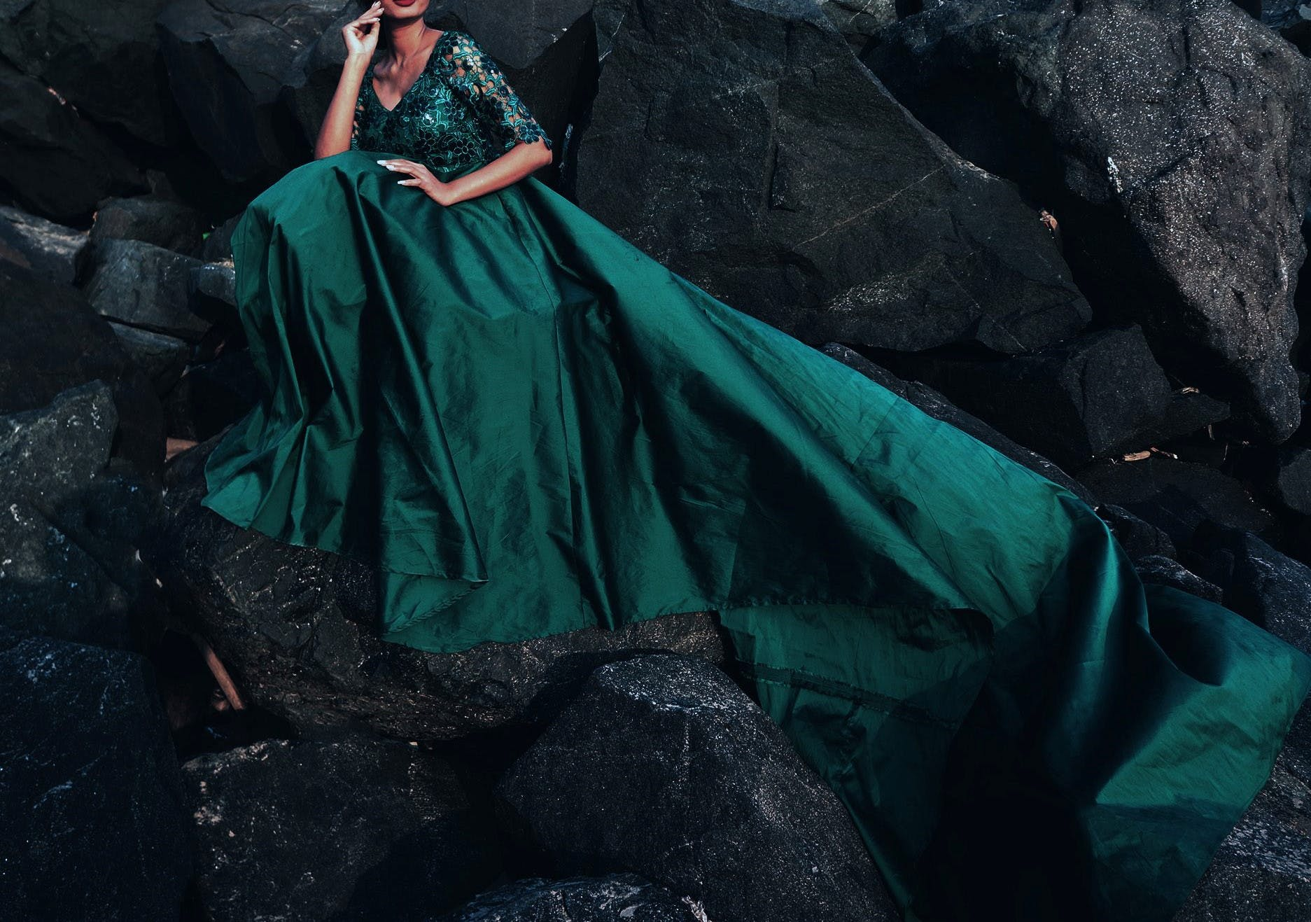 Clothing,Dress,Green,Gown,Fashion,Formal wear,Satin,Costume design,Haute couture,Outerwear