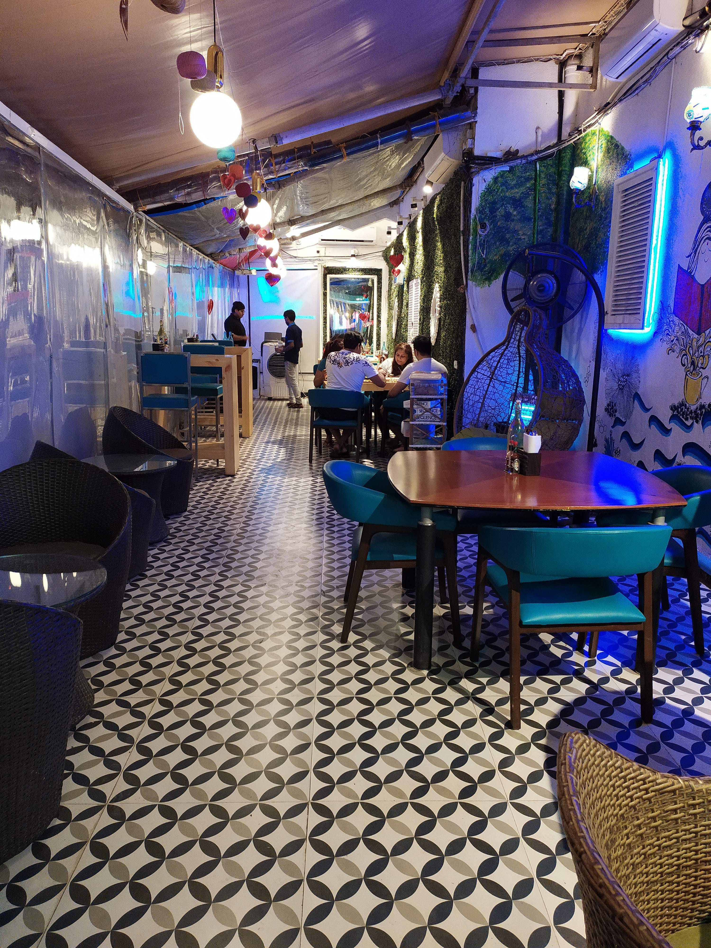 Drop By Once Upon A Dine For Amazing Food And Ambience!!