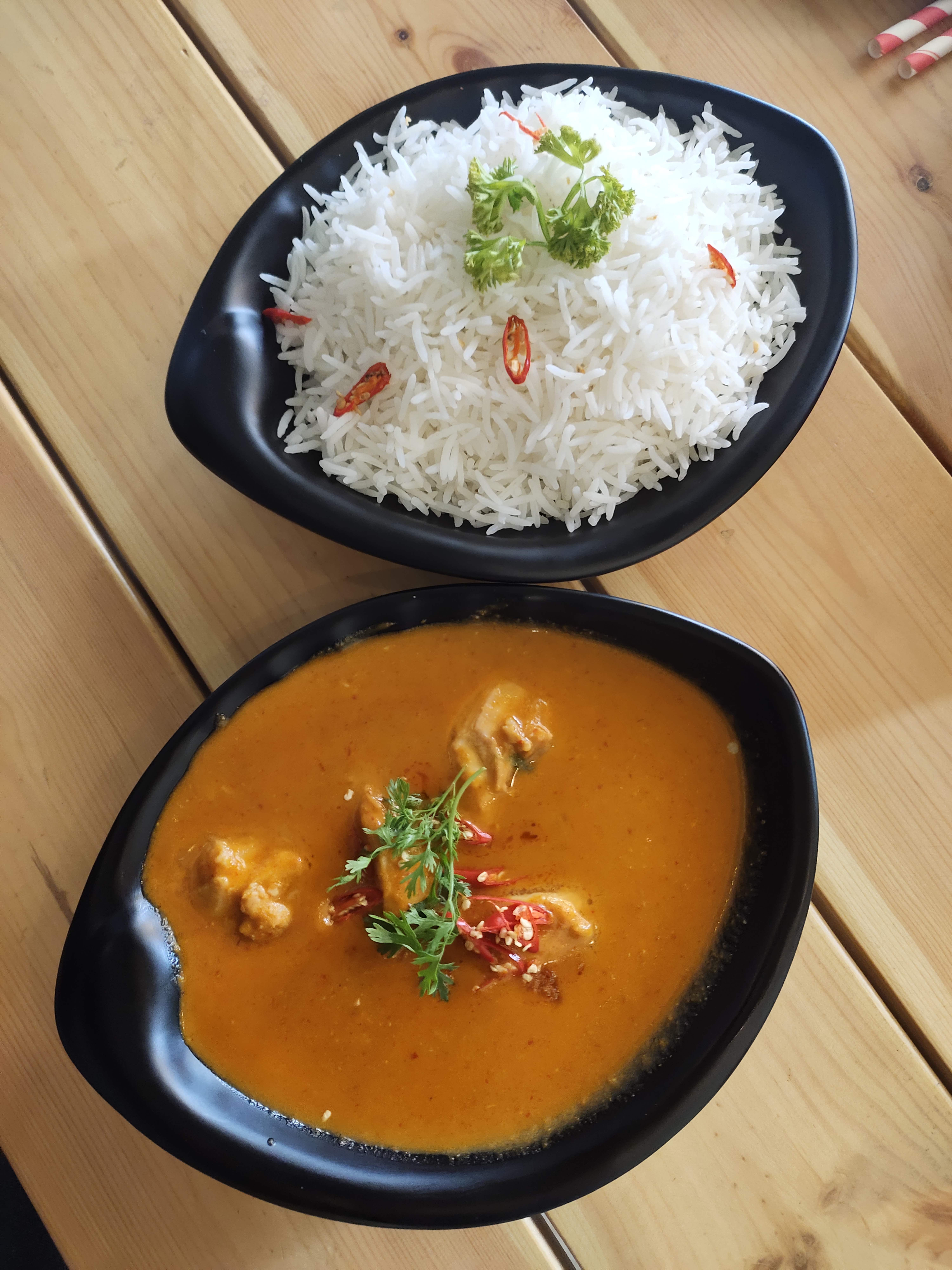 Dish,Food,Cuisine,Curry,Ingredient,Red curry,White rice,Yellow curry,Steamed rice,Dal