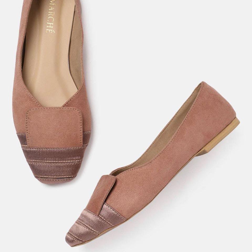 Footwear,Shoe,Ballet flat,Pink,Court shoe,Beige,Espadrille,Leather,Suede