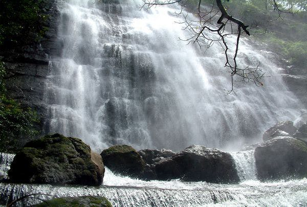 Waterfall,Body of water,Water resources,Water,Natural landscape,Nature,Watercourse,Nature reserve,Chute,Stream