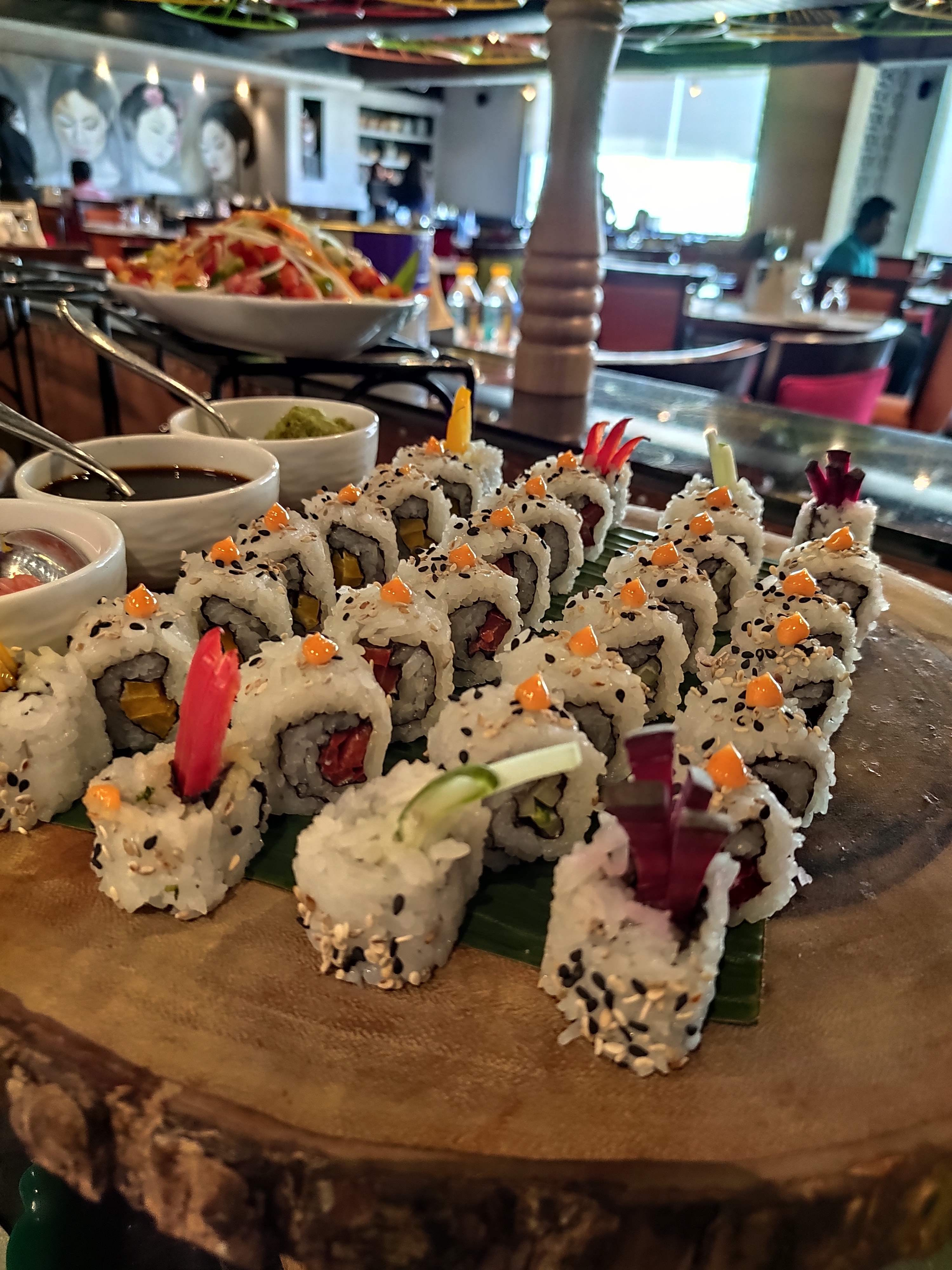 Cuisine,Food,Dish,California roll,Sushi,Comfort food,Delicacy,Finger food,Ingredient,Meal