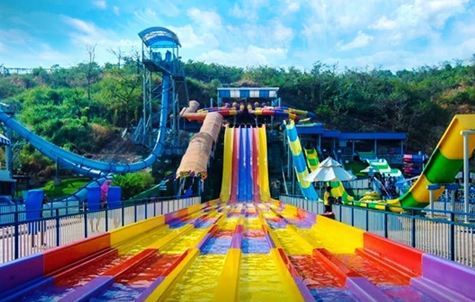Water park,Amusement park,Leisure,Chute,Fun,Recreation,Park,Leisure centre,Playground slide,Nonbuilding structure