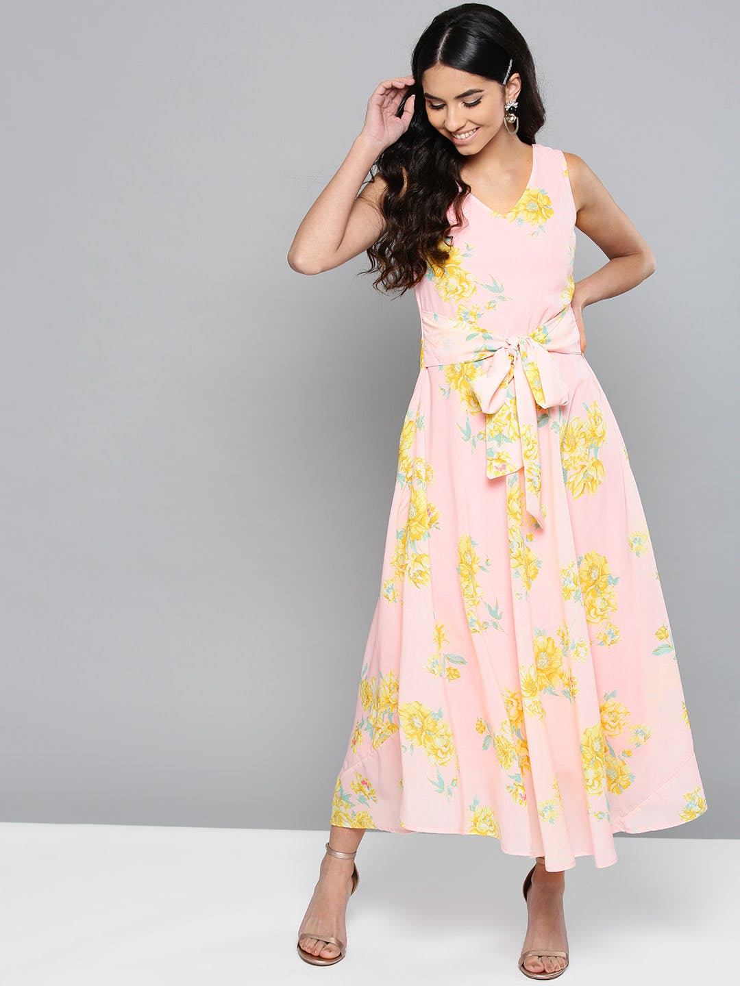 Clothing,Fashion model,Dress,White,Day dress,Yellow,Fashion,Neck,Pink,Waist