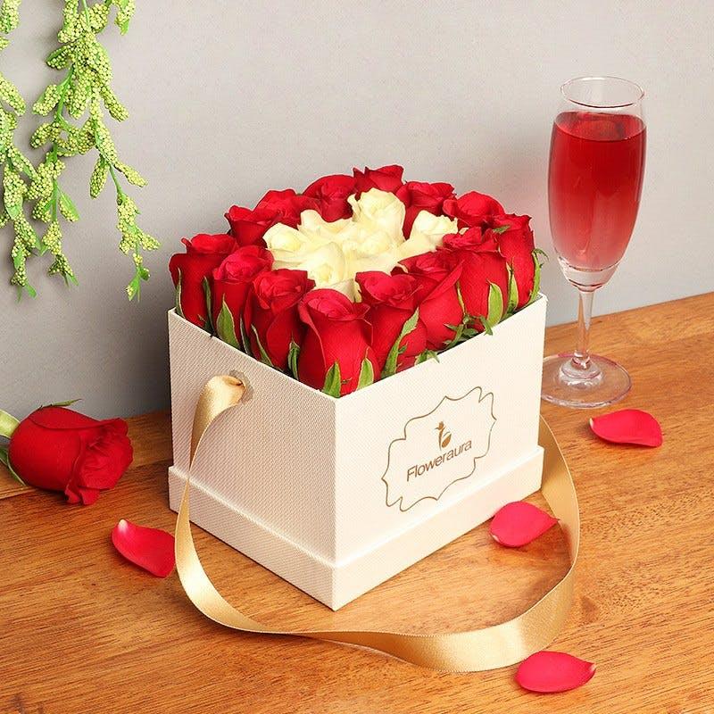 Red,Petal,Sweetness,Flower,Rose,Plant,Cut flowers,Buttercream,Dessert,Wedding favors