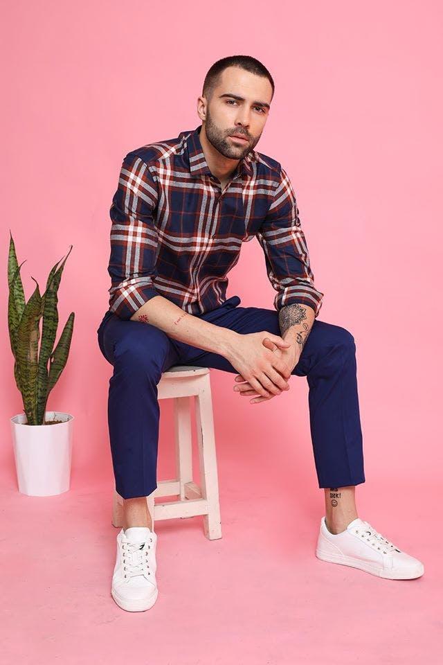 Sitting,Plaid,Pink,Red,Fashion,Tartan,Pattern,Magenta,Design,Cool