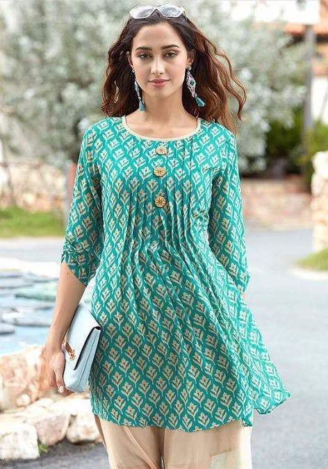 Clothing,Blue,Sleeve,Dress,Turquoise,Aqua,Green,Day dress,Neck,Pattern
