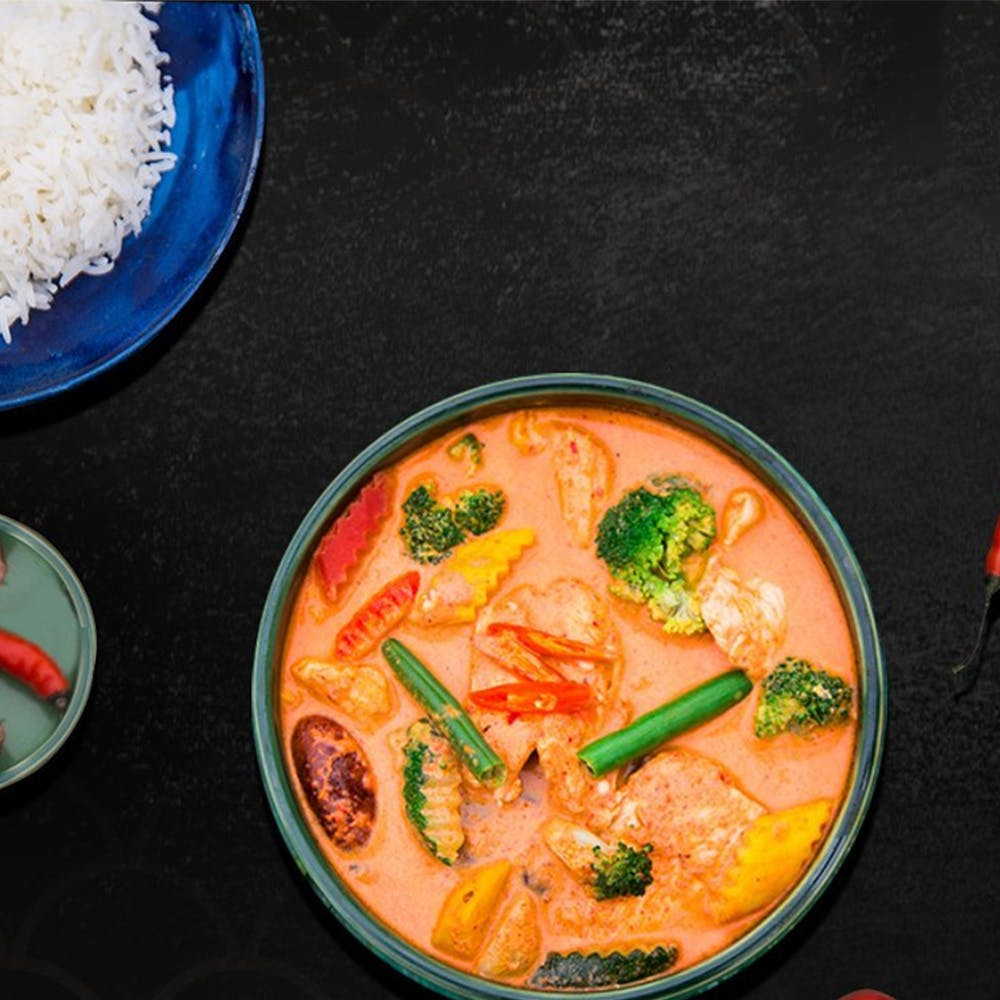 Dish,Food,Cuisine,Red curry,Yellow curry,Ingredient,Curry,Soup,Tom kha kai,Thai curry