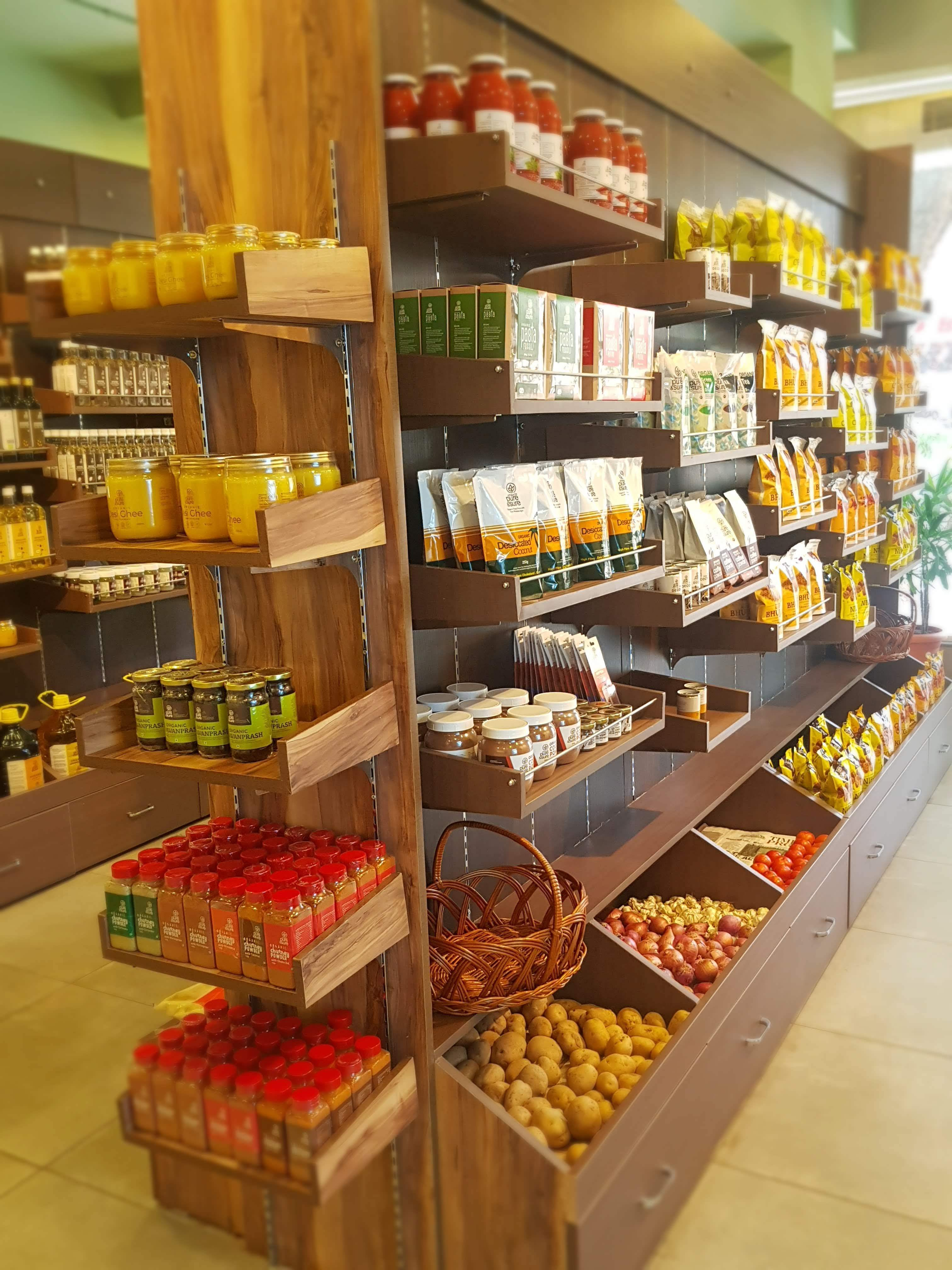 Natural foods,Supermarket,Grocery store,Convenience food,Product,Whole food,Retail,Food,Convenience store,Building