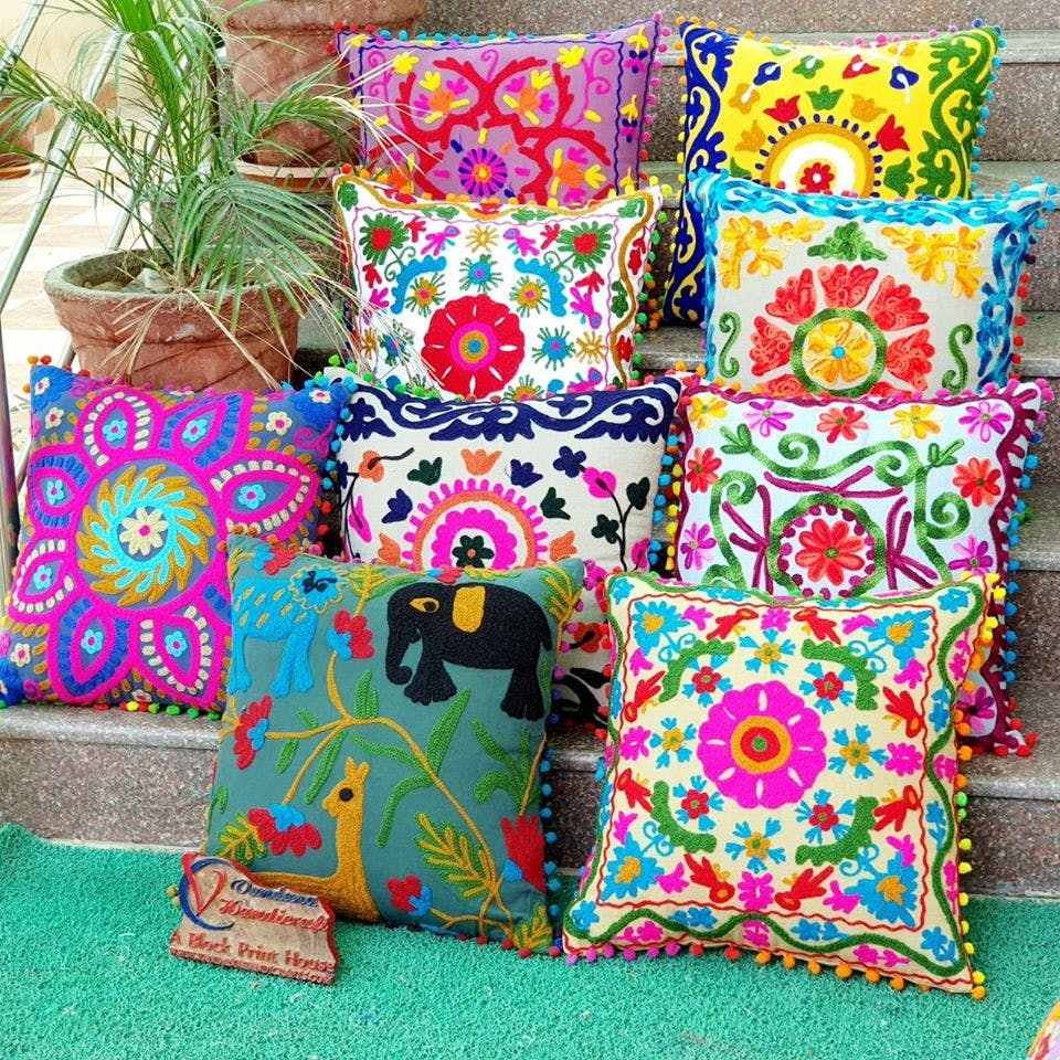 Cushion,Pillow,Textile,Furniture,Throw pillow,Pattern,Linens,Embroidery,Pattern