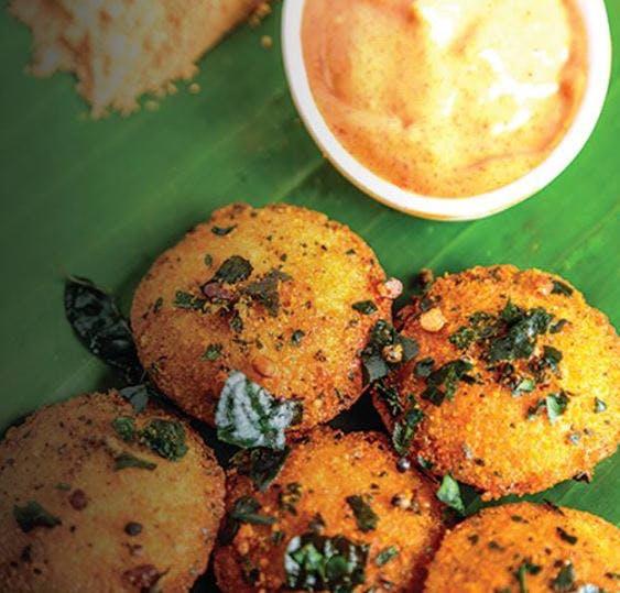 Dish,Food,Cuisine,Ingredient,Fried food,Pakora,Comfort food,Produce,Idli,Vegetarian food