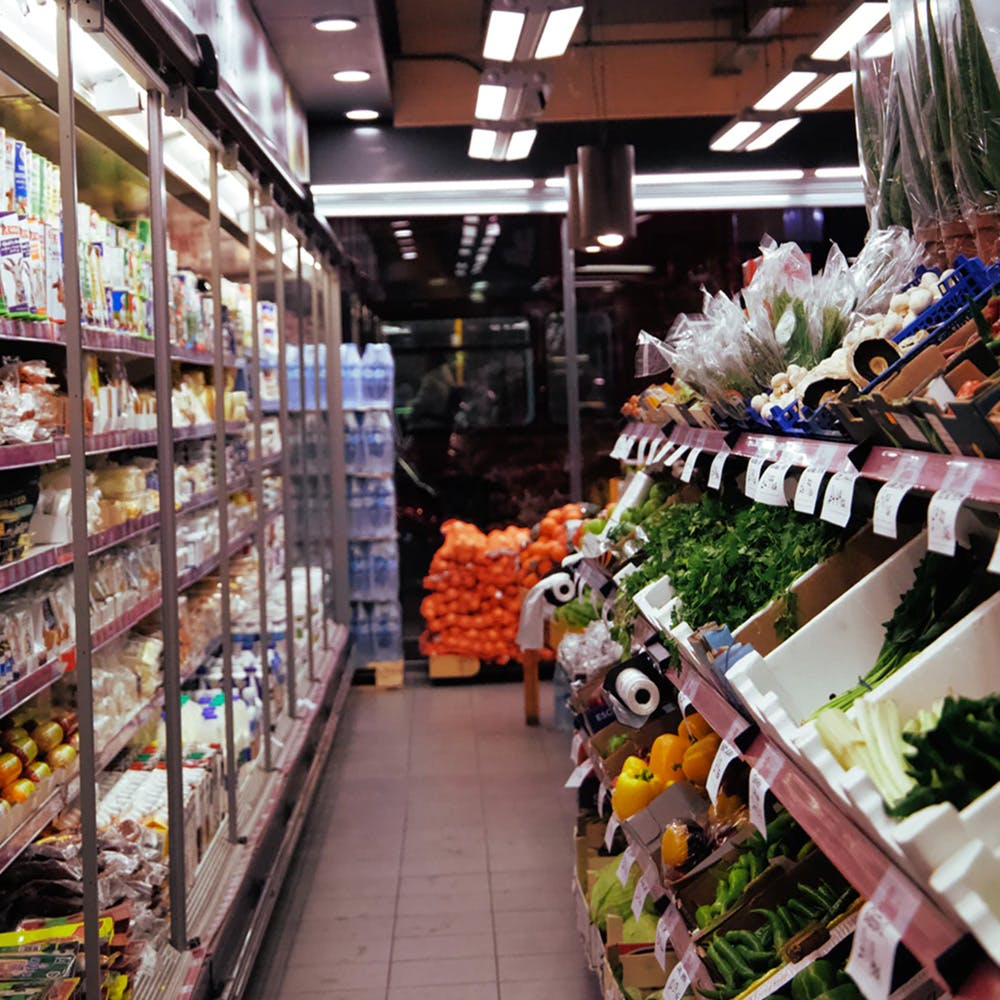 Supermarket,Grocery store,Aisle,Convenience store,Retail,Building,Whole food,Marketplace,Outlet store,Inventory