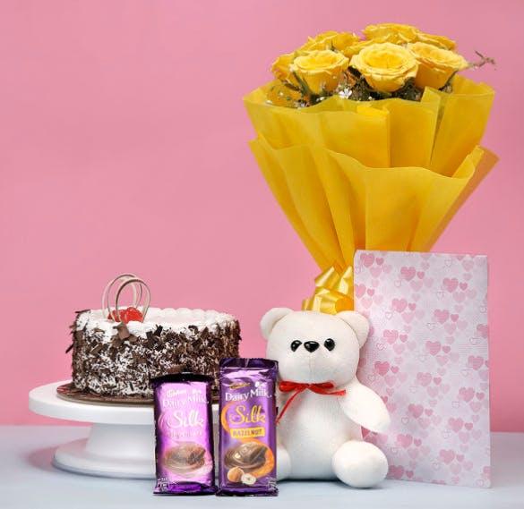 Yellow,Pink,Purple,Sweetness,Cut flowers,Food,Centrepiece,Flower,Dessert,Party favor