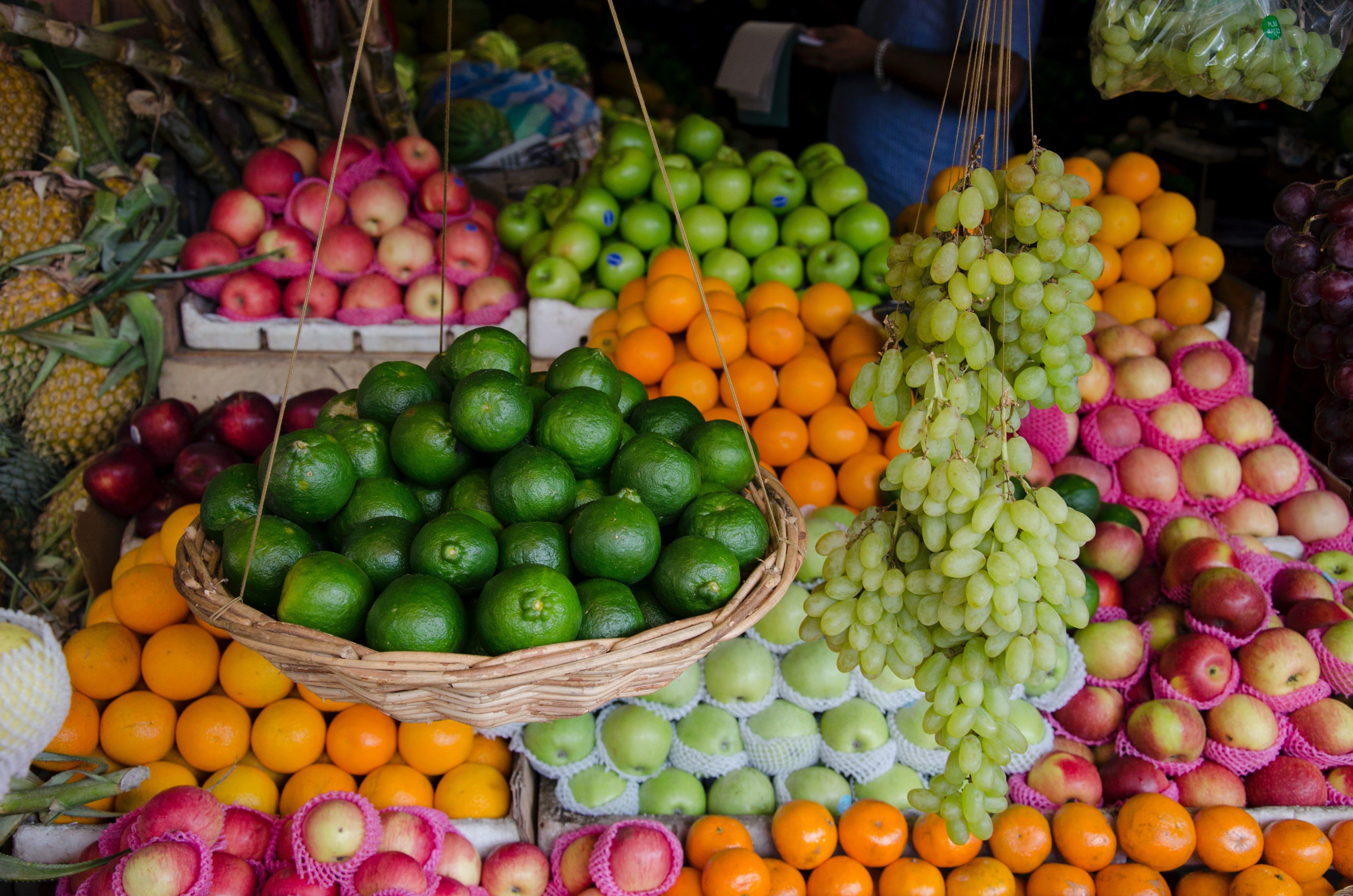 Natural foods,Local food,Whole food,Fruit,Food,Sweetness,Market,Plant,Vegetable,Vegan nutrition