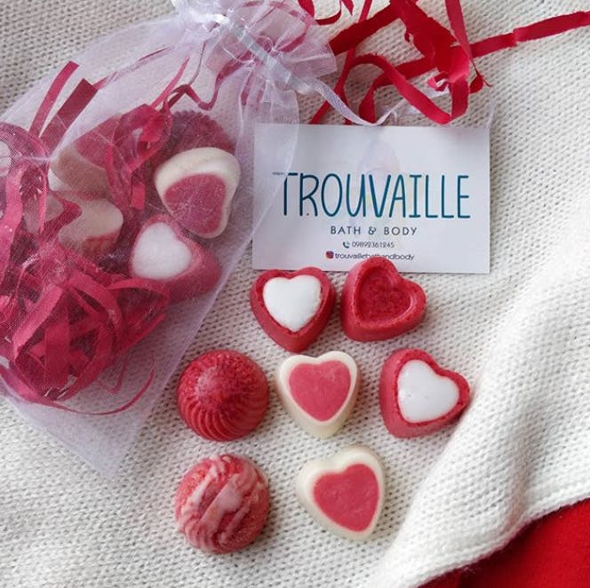 Heart,Pink,Valentine's day,Food,Candy,Party favor,Confectionery,Love,Wedding favors