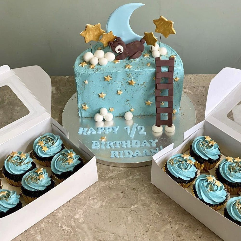 Blue,Turquoise,Teddy bear,Baby shower,Food,Party,Dessert,Baked goods,Cake decorating,Baking