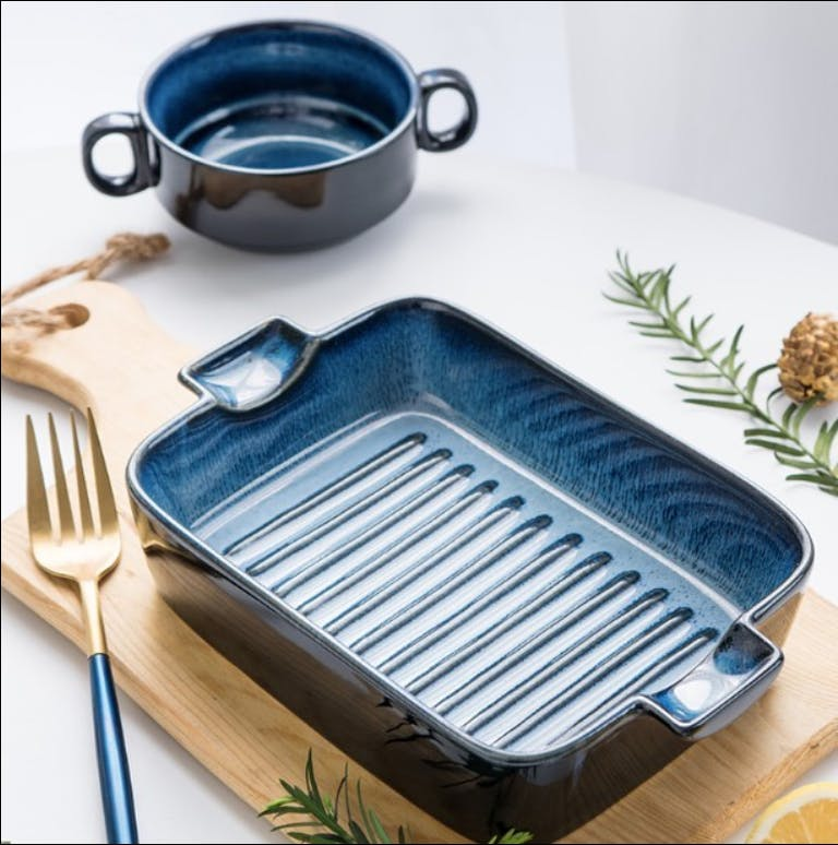 Product,Cookware and bakeware,Tray,Bread pan,Dish,Cuisine,Food,Cooking,Tableware,Rectangle