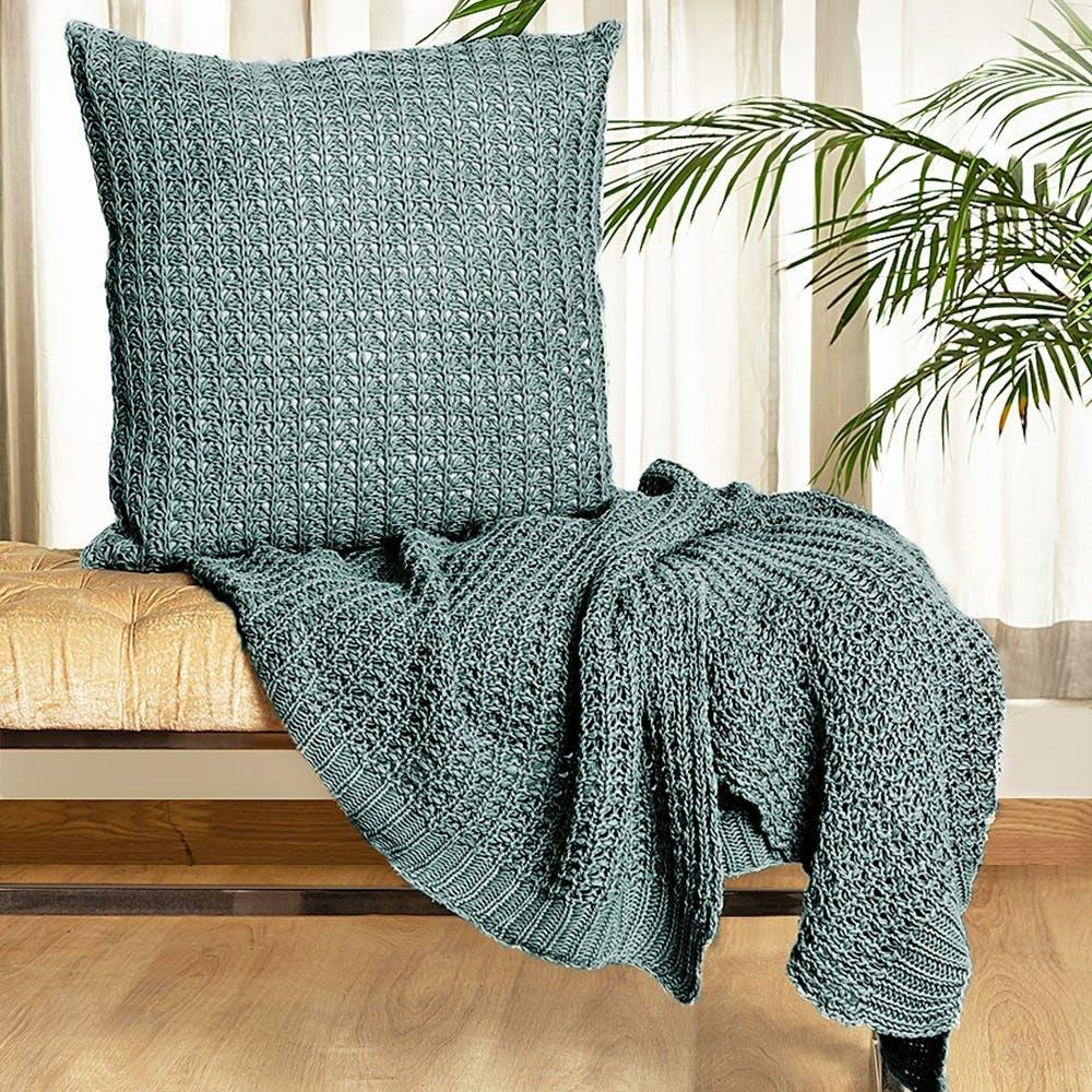 Bedding,Green,Furniture,Textile,Linens,Blanket,Chair,Duvet,Slipcover,Fur