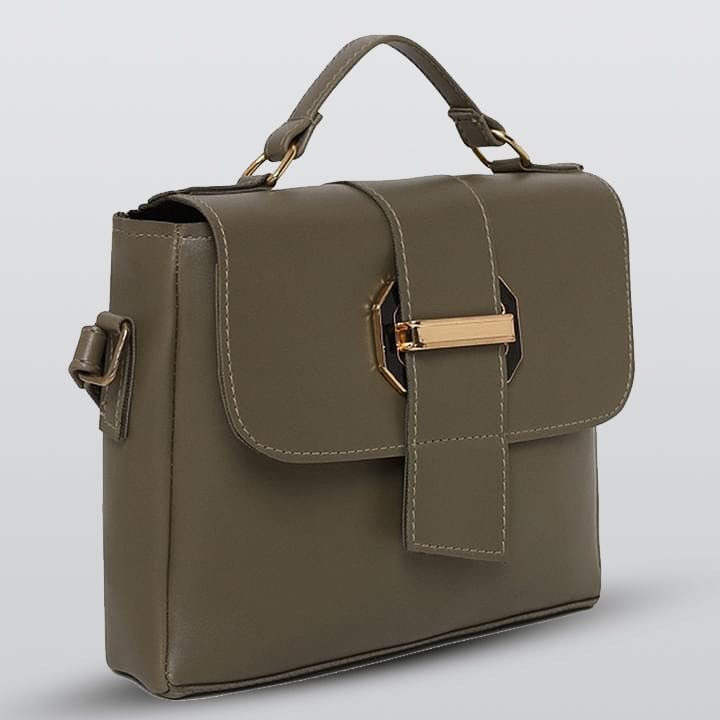 Brown,Product,Bag,Photograph,Style,Fashion accessory,Khaki,Luggage and bags,Leather,Shoulder bag