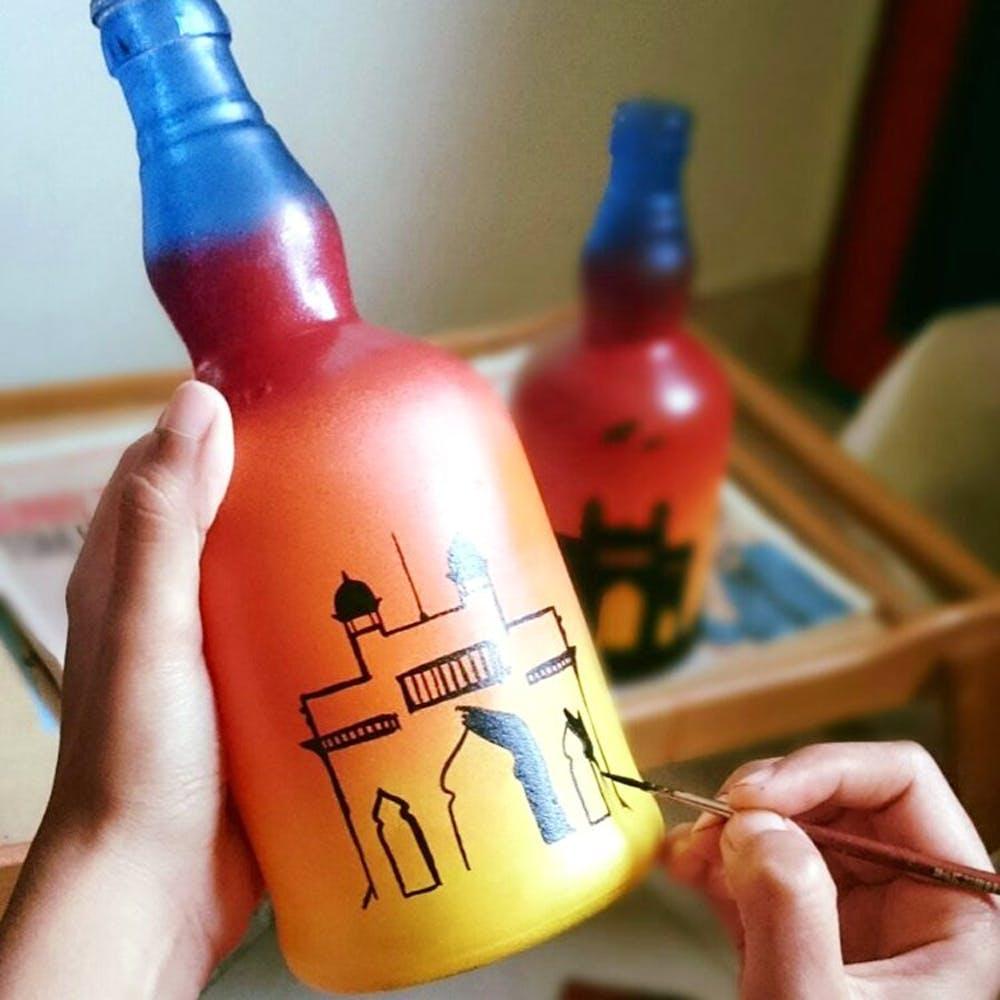 Bottle,Finger,Drink,Glass bottle,Alcohol,Wine bottle,Liqueur,Nail,Thumb,Distilled beverage