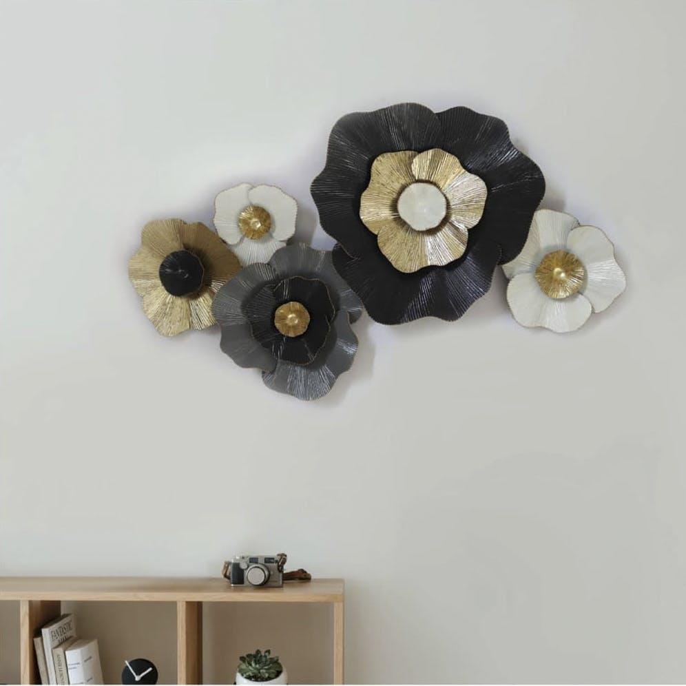 White,Room,Flower,Ceiling,Plant,Beige,Furniture,Metal