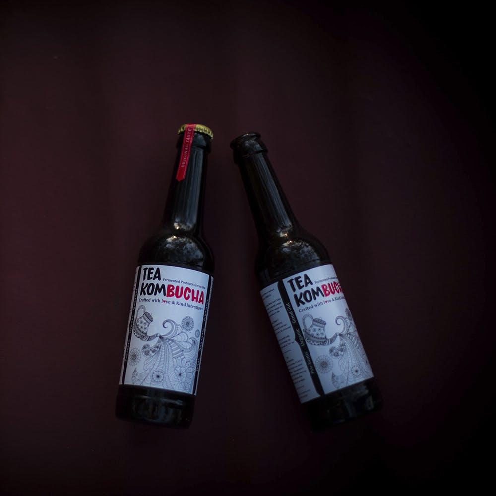 Bottle,Glass bottle,Wine bottle,Alcohol,Drink,Liqueur,Alcoholic beverage,Product,Distilled beverage,Beer bottle