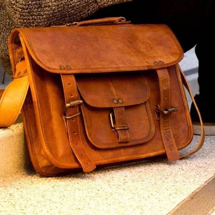 Bag,Leather,Handbag,Messenger bag,Tan,Brown,Fashion accessory,Satchel,Luggage and bags,Caramel color